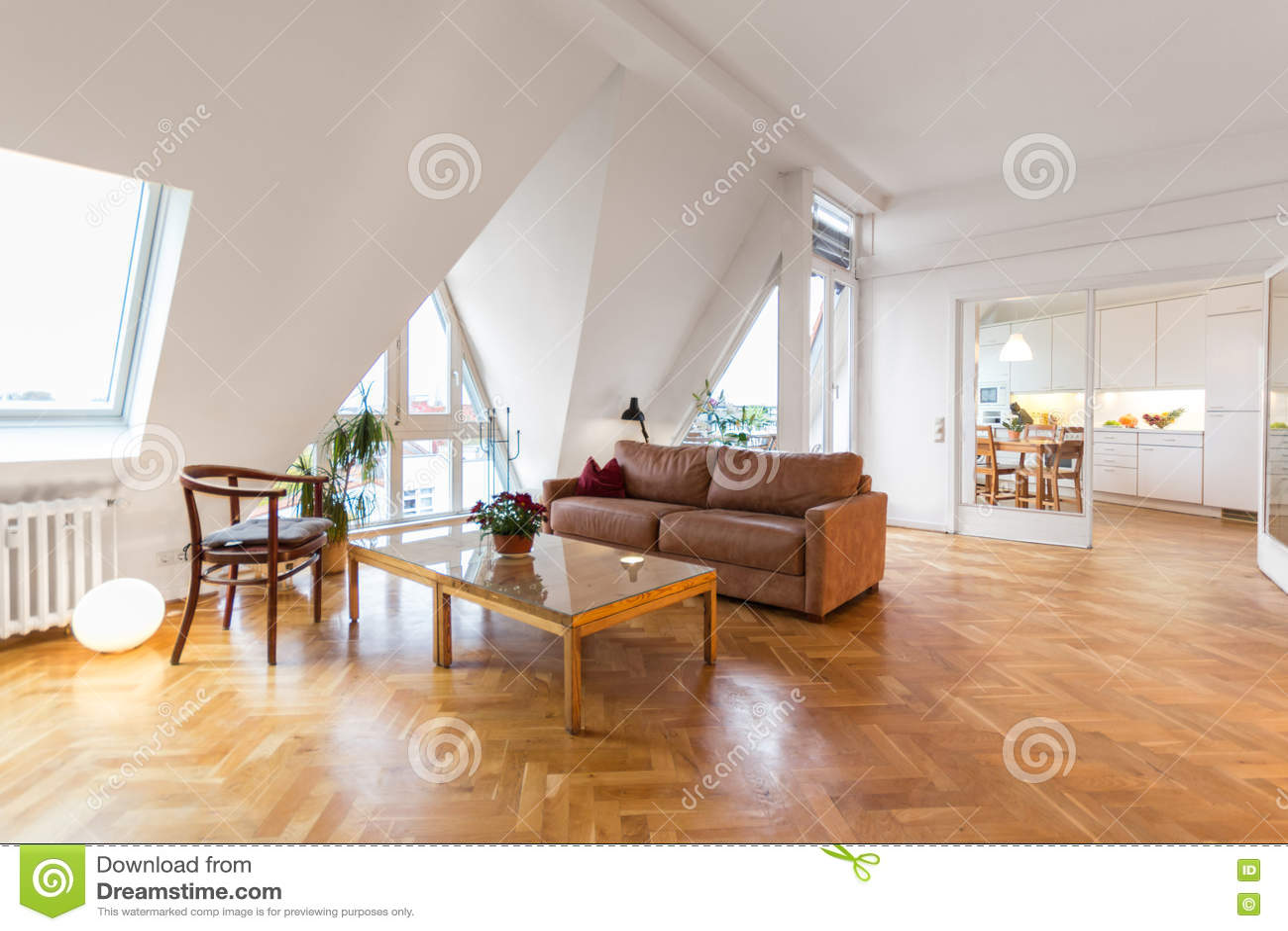 Woonkamer Houten Vloer : Moderne woonkamer met houten vloer en witte muur foto premium