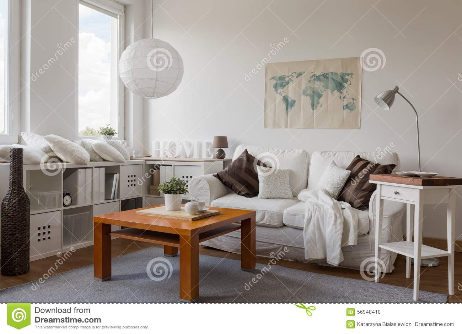 Woonkamer In Wit Stock Foto - Afbeelding: 56948410
