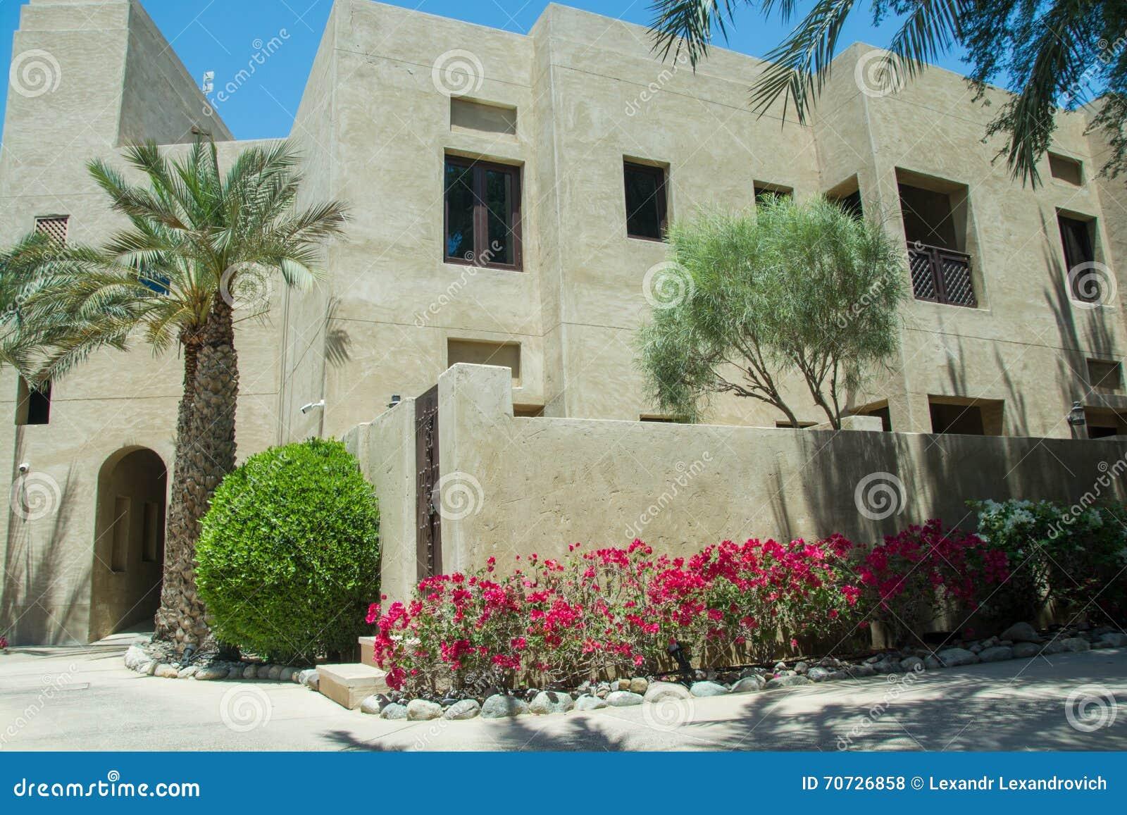 download woonkamers die bij toevlucht van de luxe de arabische woestijn buiding stock foto afbeelding