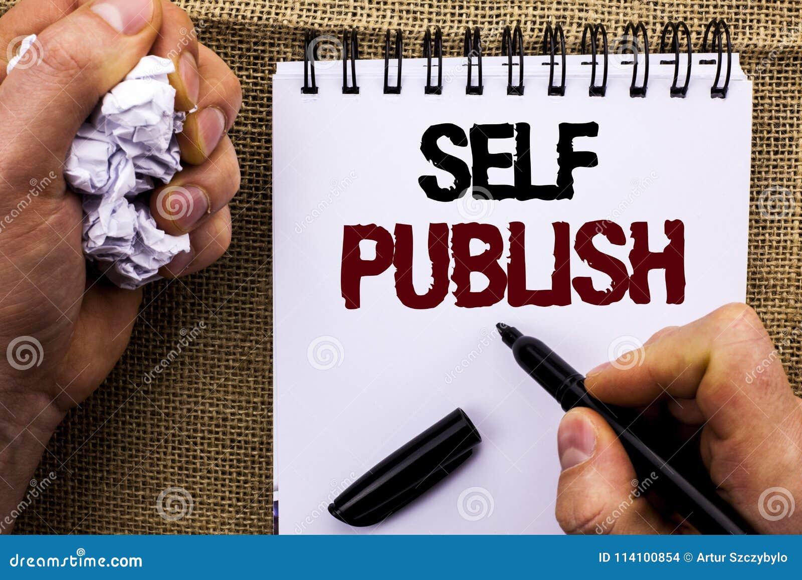 Word het schrijven de tekst Zelf publiceert Het bedrijfsdieconcept voor Publicatie schrijft het Artikelfeiten van het Journalisti