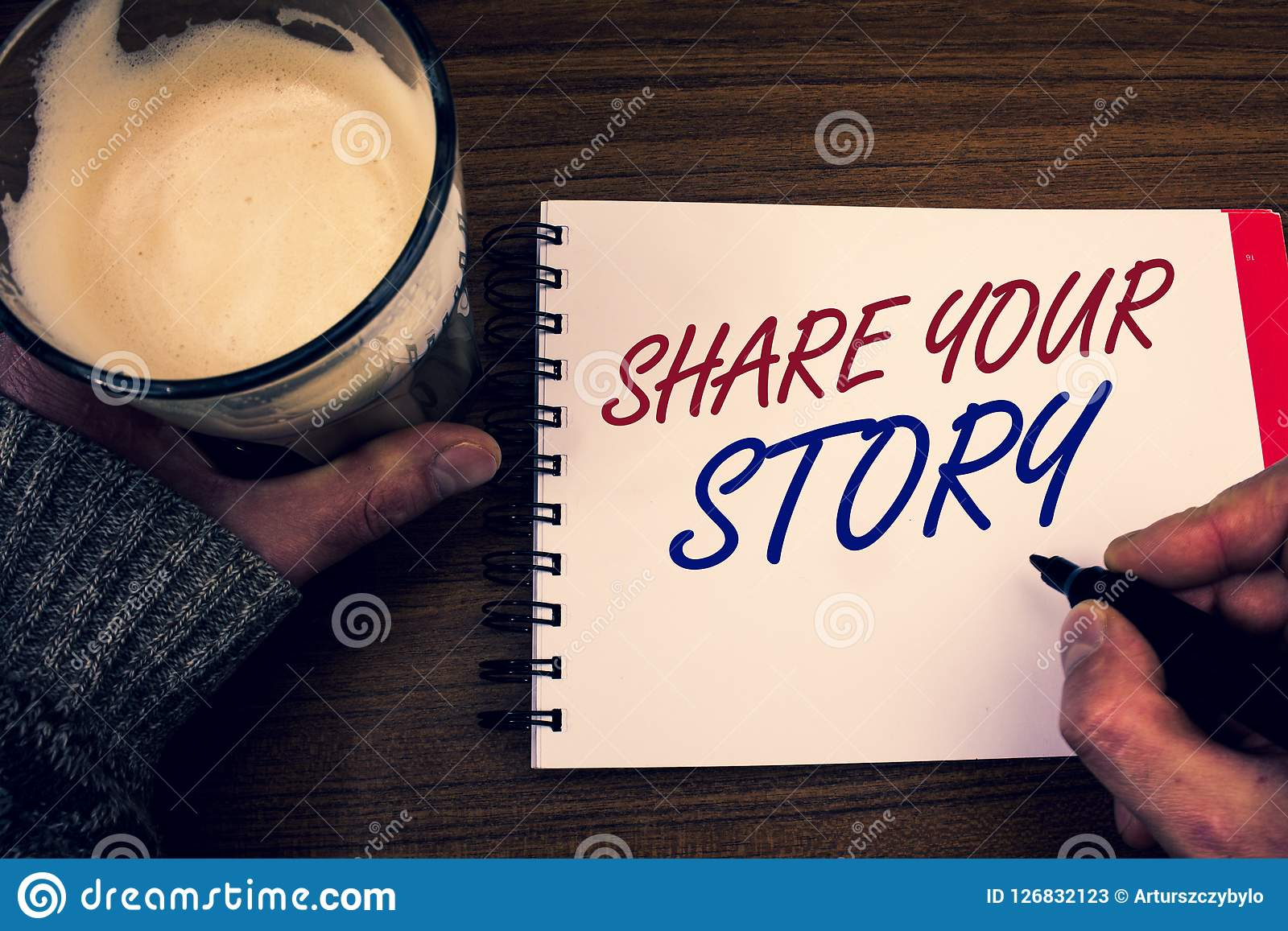 Word het schrijven tekstaandeel Uw Verhaal Bedrijfsconcept voor van de Nostalgiegedachten van Ervaringsstorytelling blocnote van