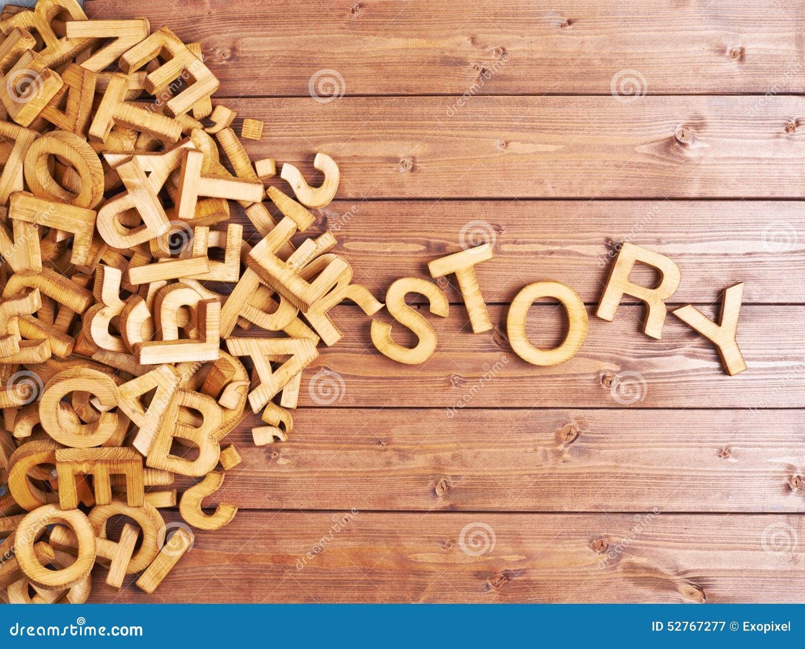 Word verhaal met houten brieven wordt gemaakt die