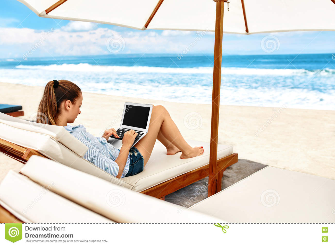 Work At Beach Business Woman Working Online On Laptop