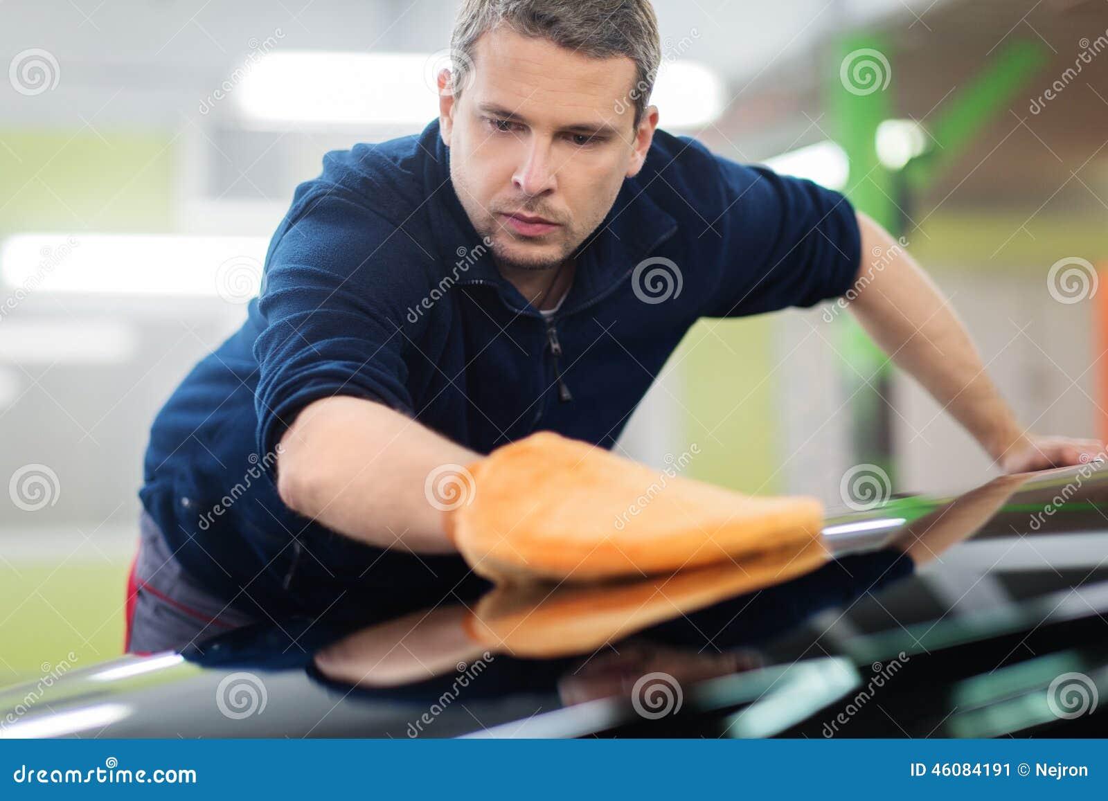 Hand Wash Car Wash >> Worker On A Car Wash Stock Photo - Image: 46084191
