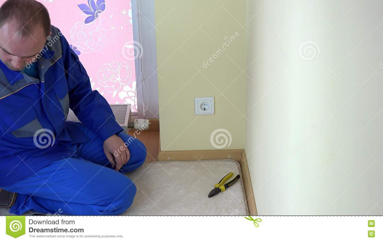 Worker Man Repair An Electrical Outlet In Apartment Stock Footage How Fix Video Of Metal Accuracy 74528786
