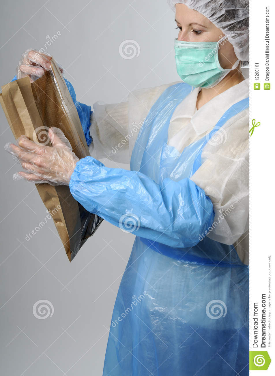 Worker packing bag