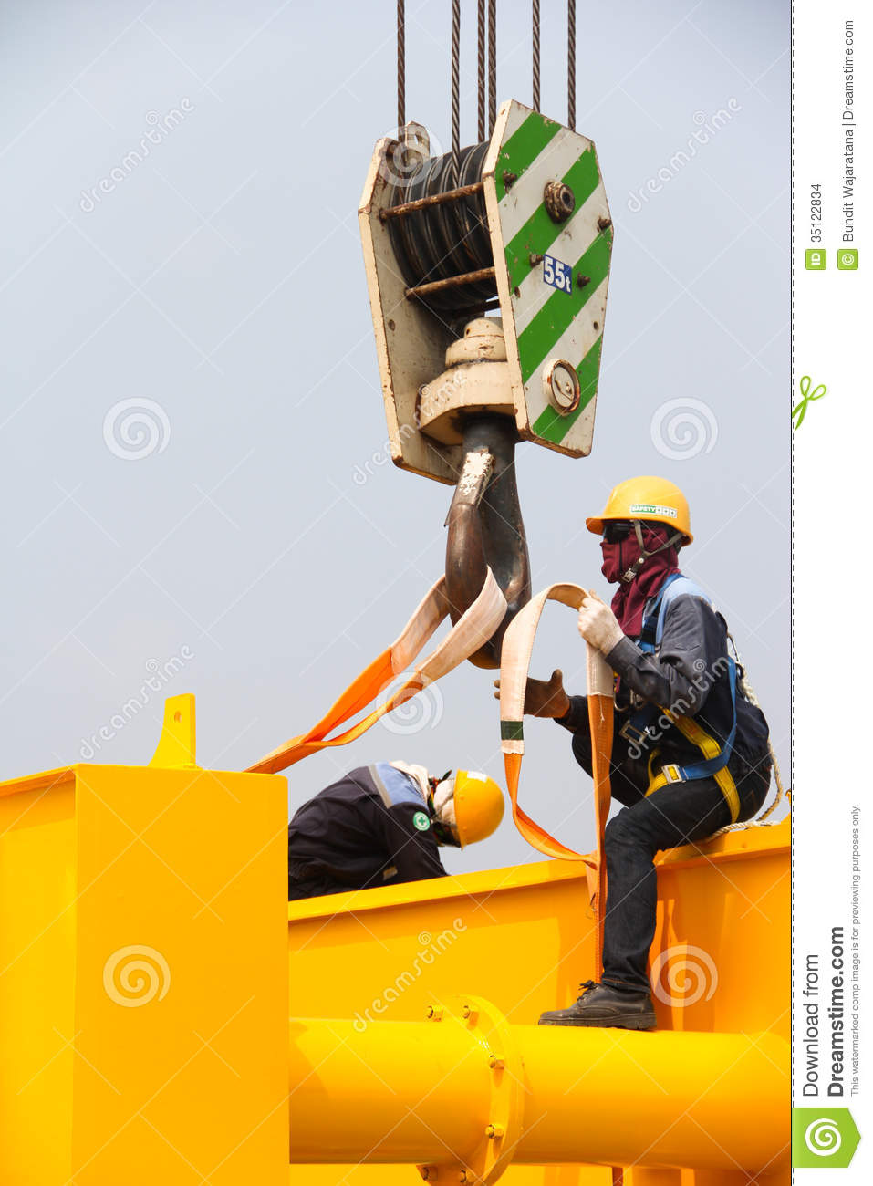 Worker Setting The Lifting Belt Stock Photo Image Of