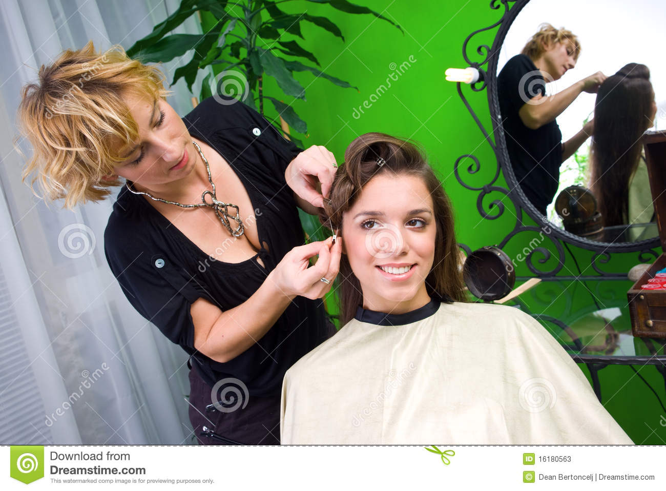 Working Scene From Hair Salon Stock Photos Image 16180563