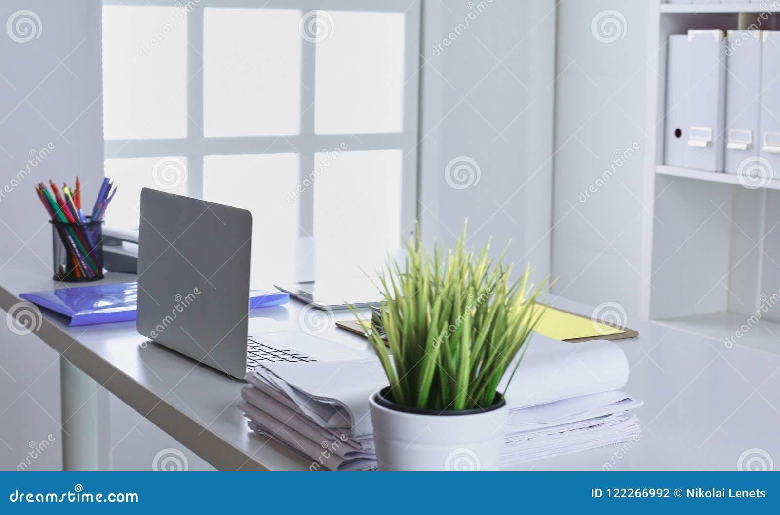 Merveilleux Download Workspace Presentation Mockup, Desktop Computer And Office Supp  Stock Photo   Image Of Hipster