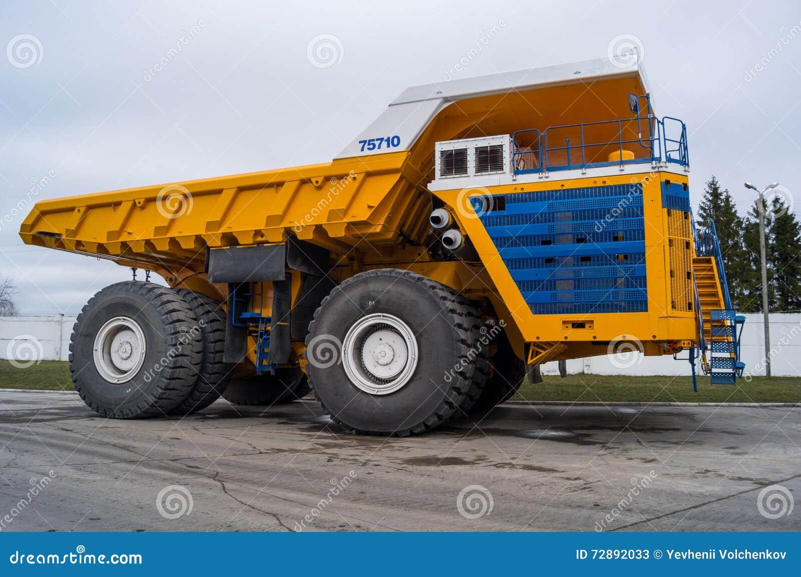 World' o caminhão enorme o maior BelAZ de s