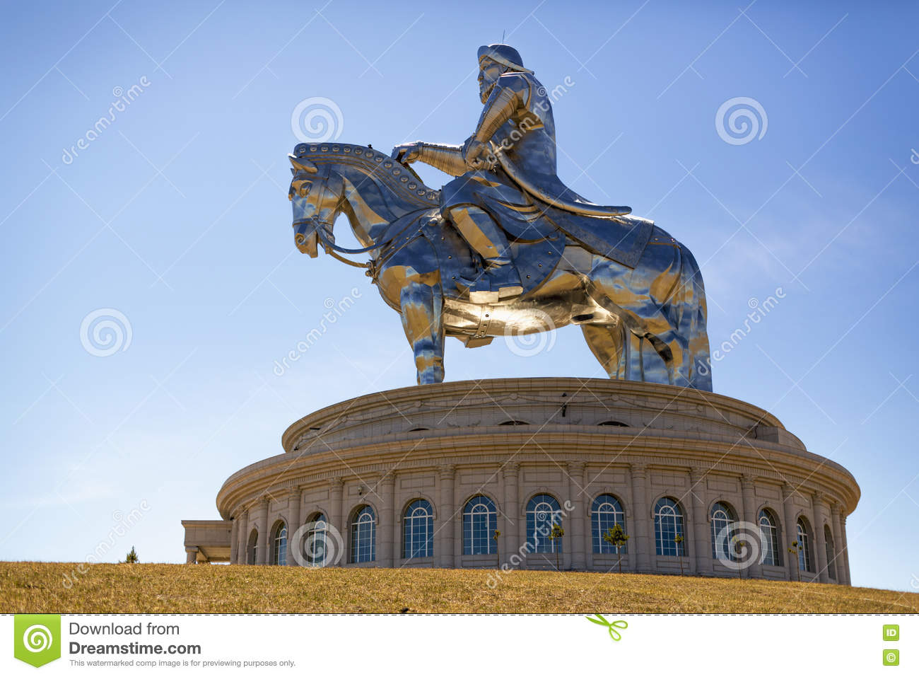 The world s largest statue of Chinghis Khan