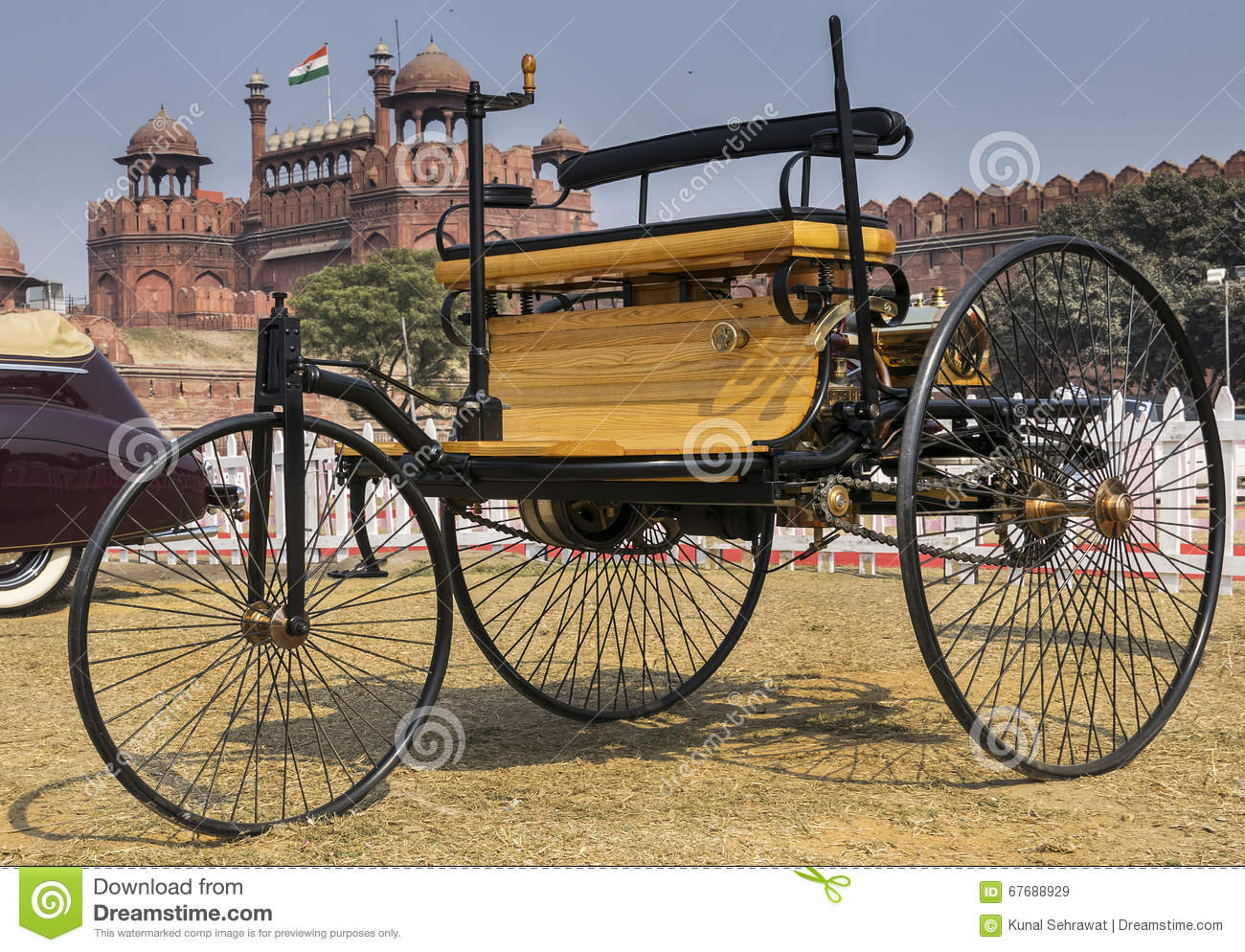 Worlds First Petrol-fuelled Automobile Vehicle The Motorwagen ...