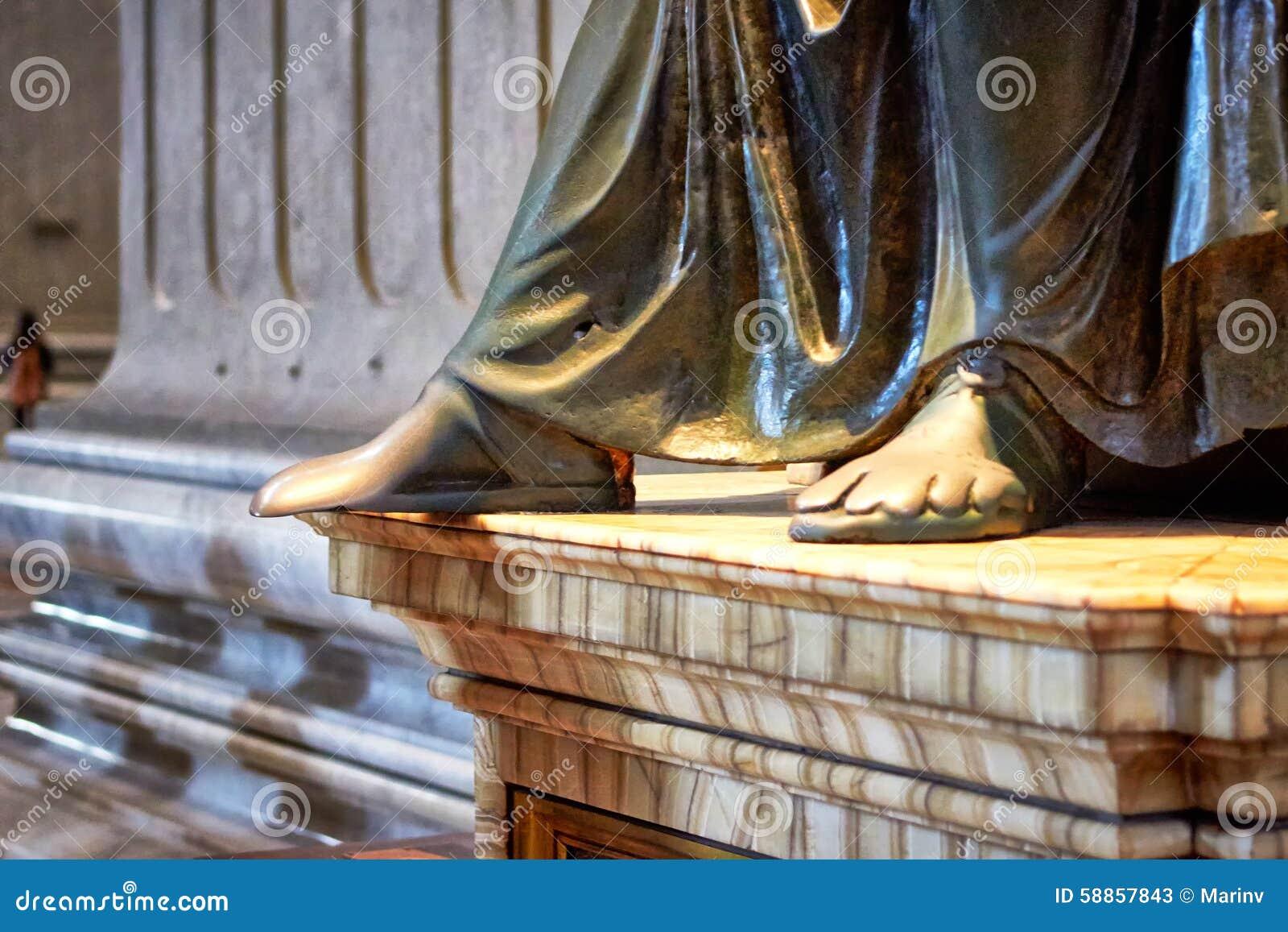Lane feet massage