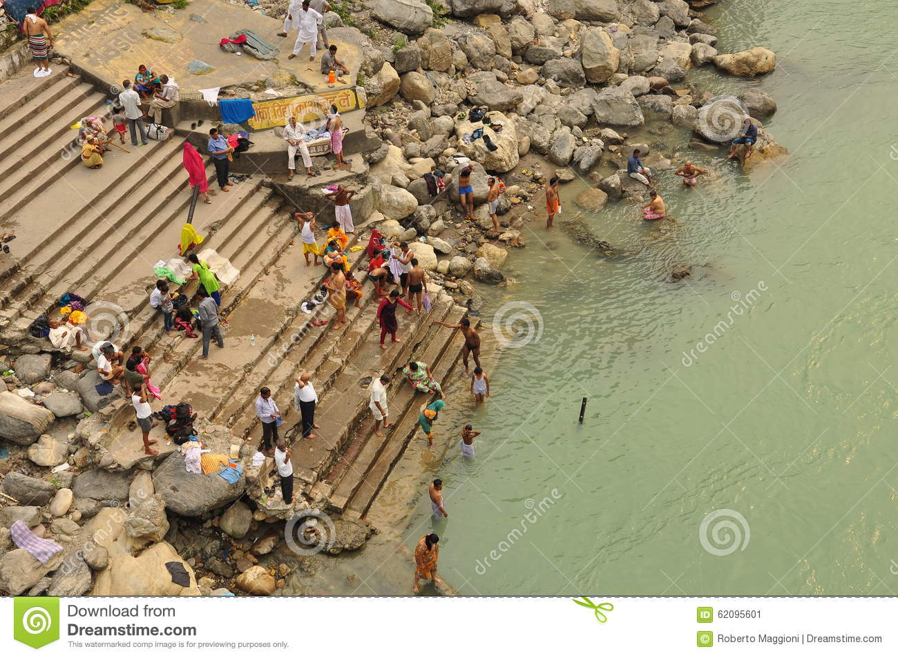 Worshipping By The Ganges River In Rishikesh, India Editorial Photo - Image Of River -6507
