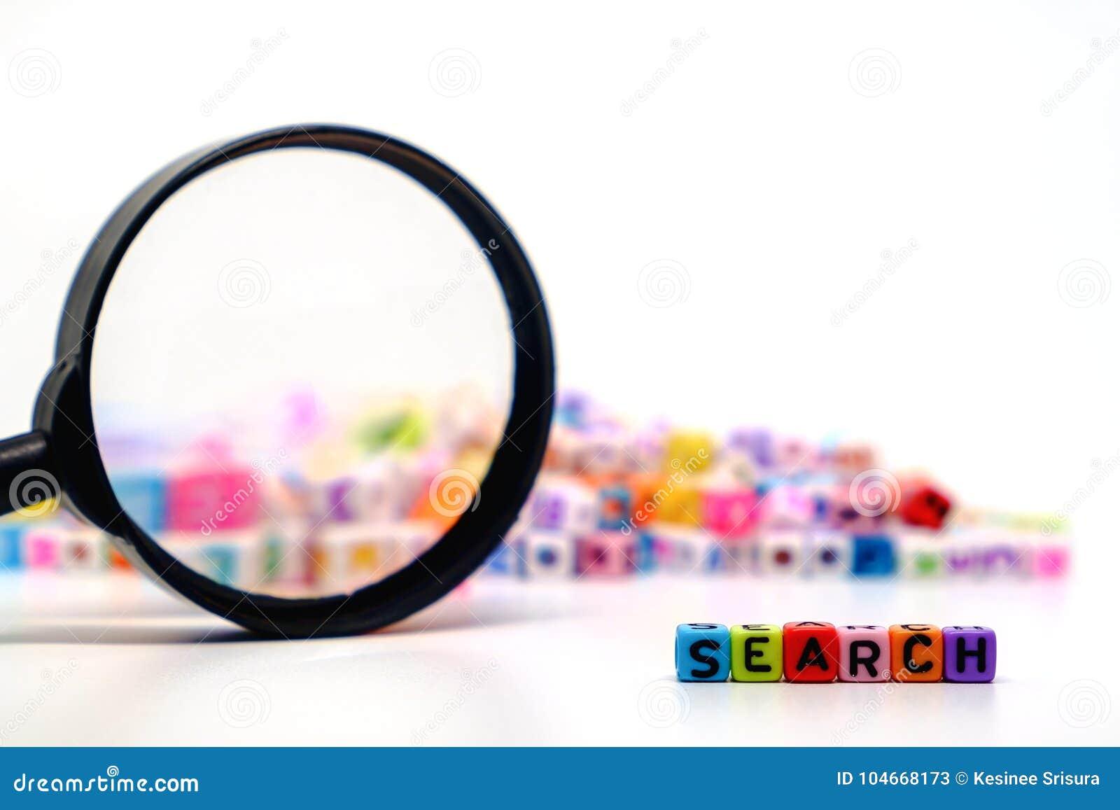Wort ` SUCHE-` auf der Lupe mit Alphabetbuchstaben bördelt Hintergrund