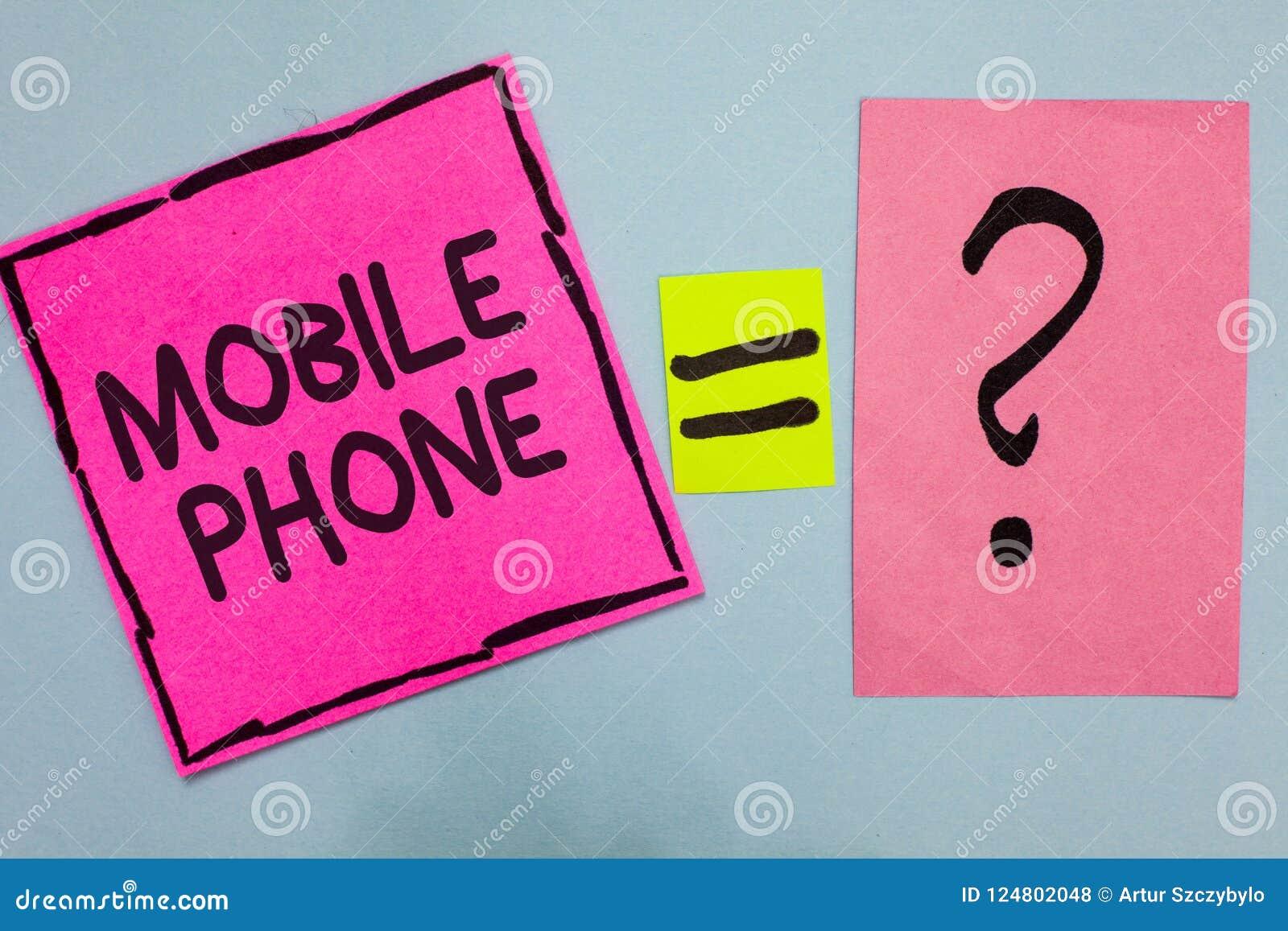 Wortschreibens-Text Handy Geschäftskonzept für a-Handgerät verwendete zu den Send-Receiveanrufen und zu den Mitteilungsrosa Papie