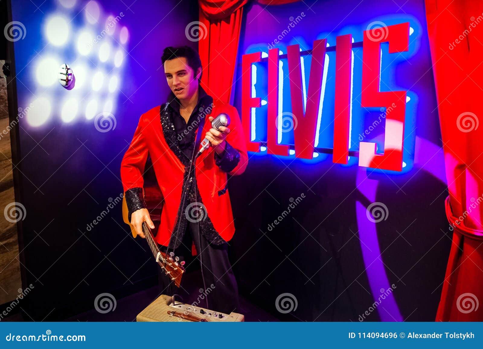 Wosk postać Elvis Presley piosenkarz w Madame Tussauds Nawoskujący muzeum w Amsterdam, holandie