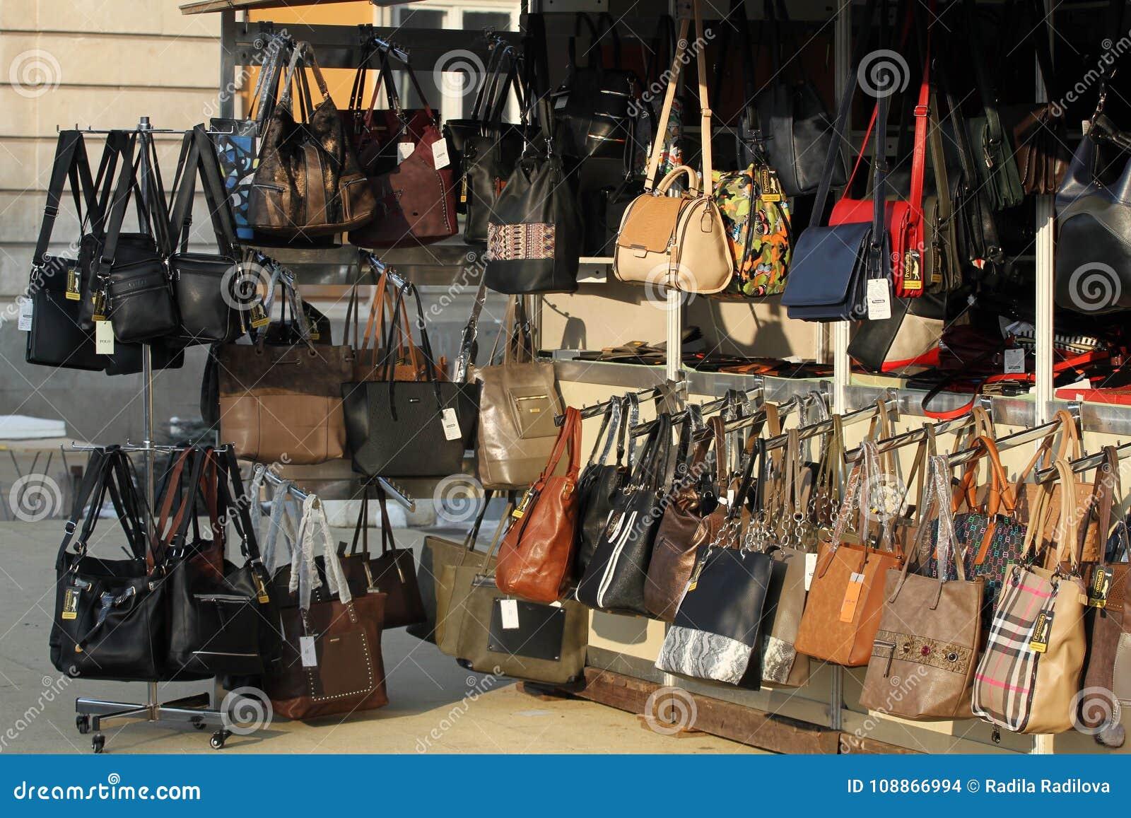 Wprowadzać na rynek dla torebek i kies na ulicie Imitacja gatunek torby Imitacja oznakująca damy ręka