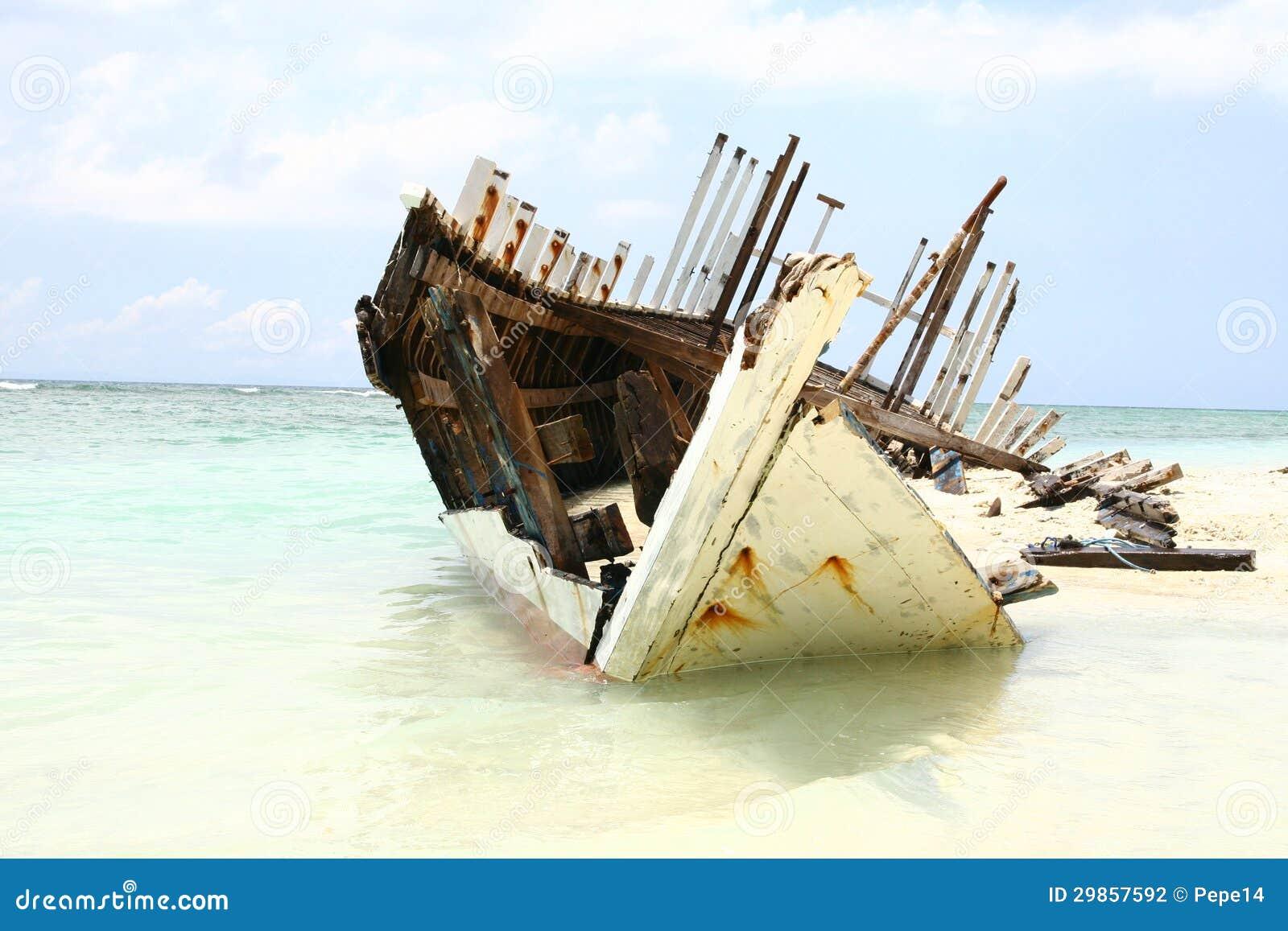 Wrak op het strand van Eiland Gili