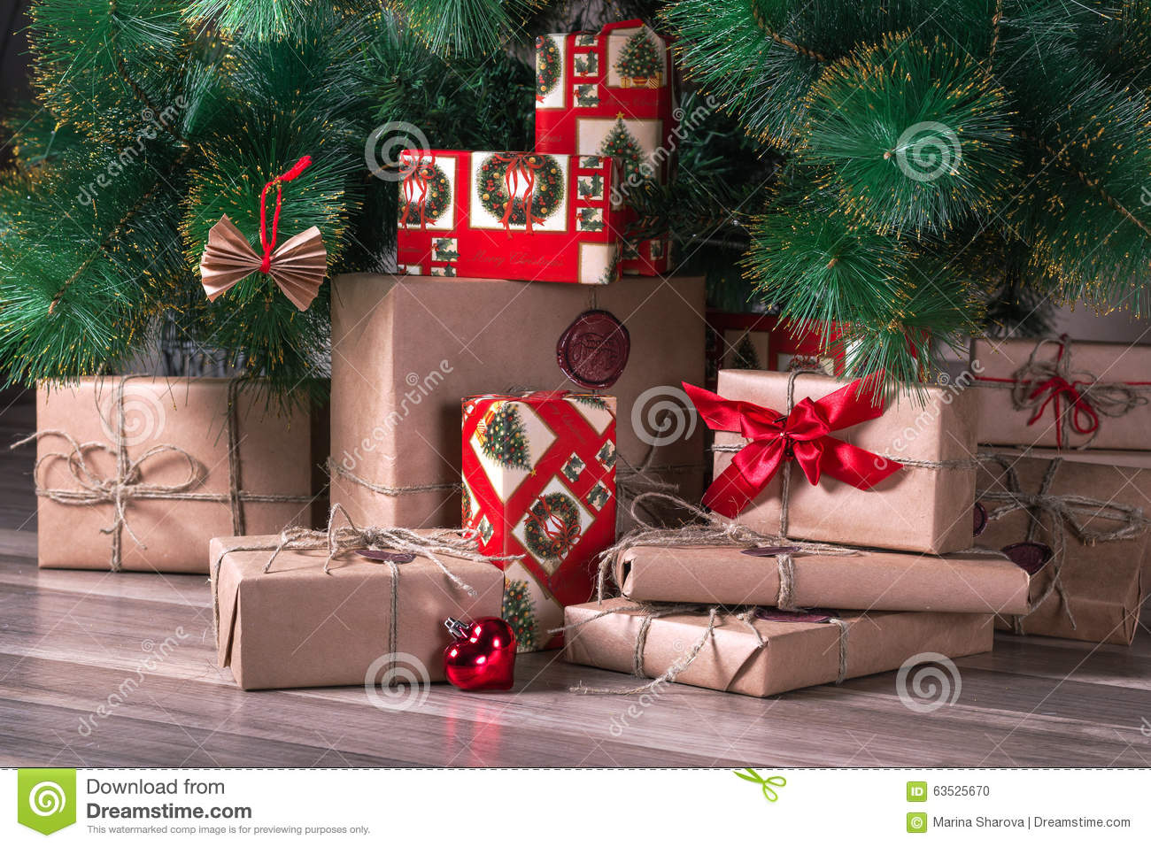 What are the Different Types of Gift Wrap? (with pictures) |Wrapped Christmas Presents Under The Tree