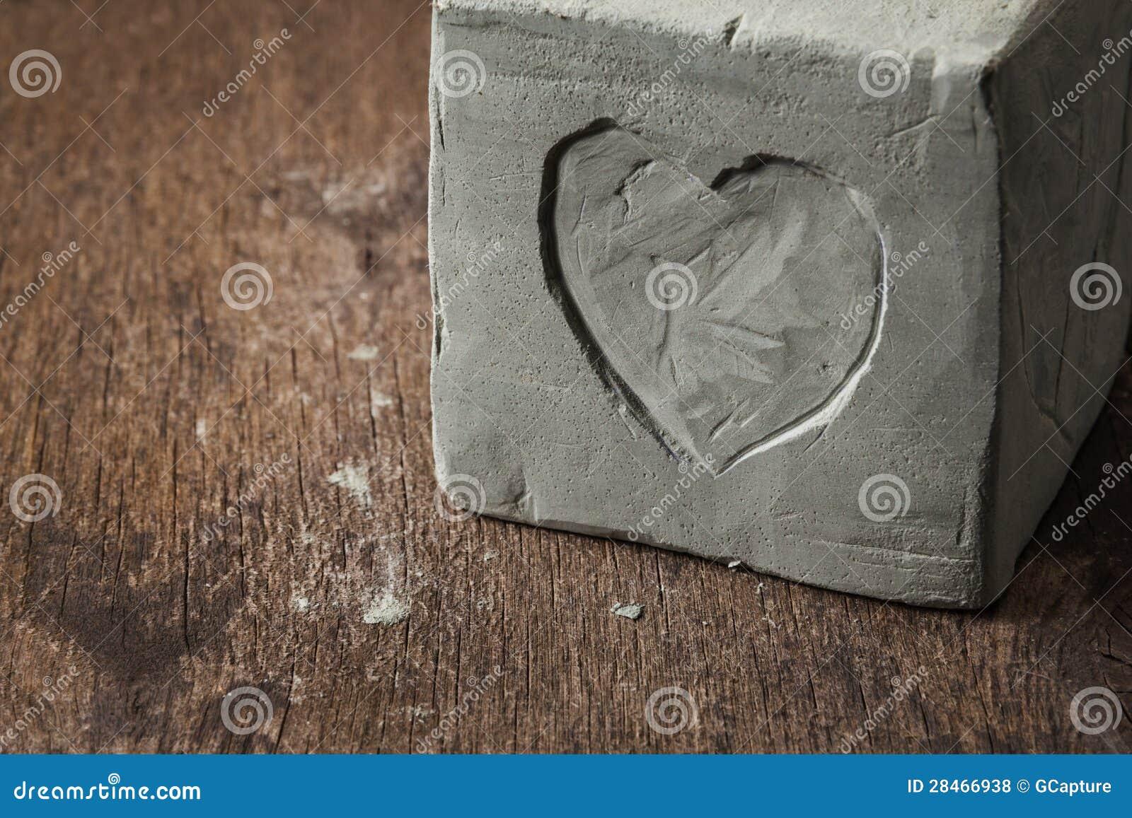 würfel mit lehminnerem auf hölzerner oberfläche lizenzfreie