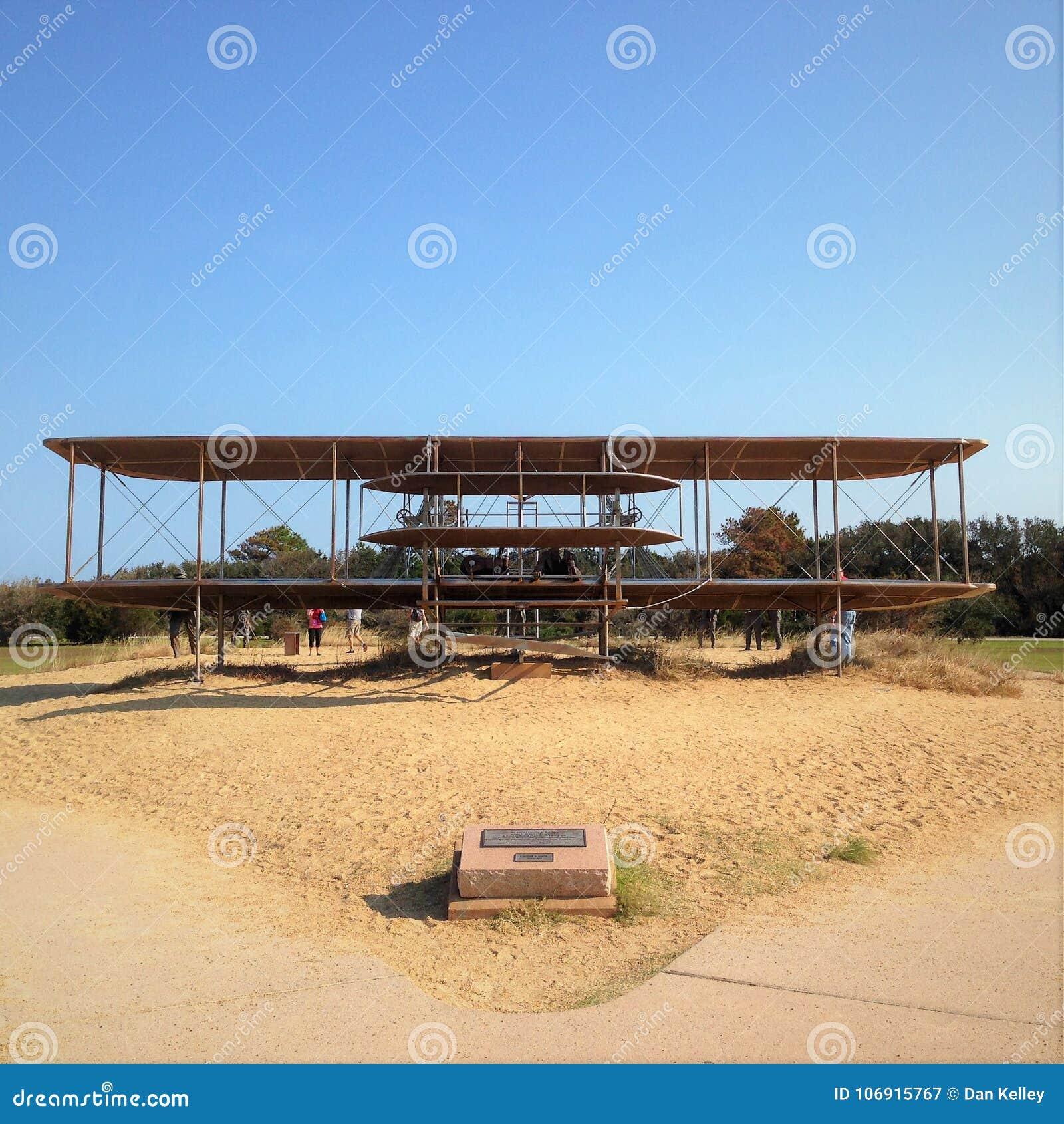 Wright Brothers National Memorial, situado em montes do diabo da matança, North Carolina