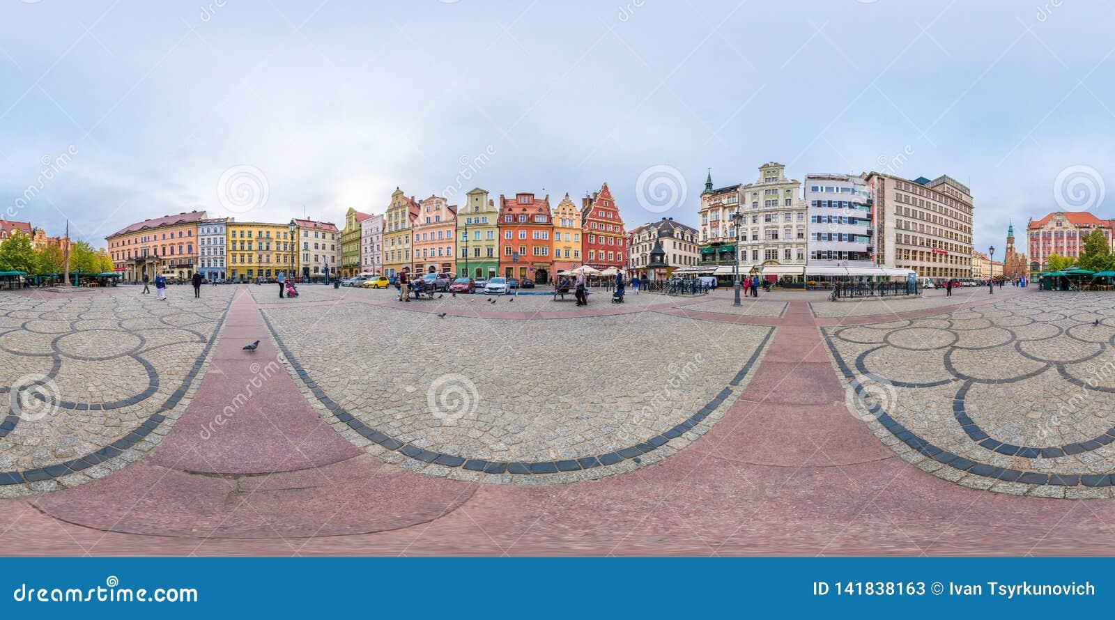 WROCLAW, ПОЛЬША - СЕНТЯБРЬ 2018: Полностью безшовные 360 градусов двигают под углом панорама взгляда на месте рыночной площади со