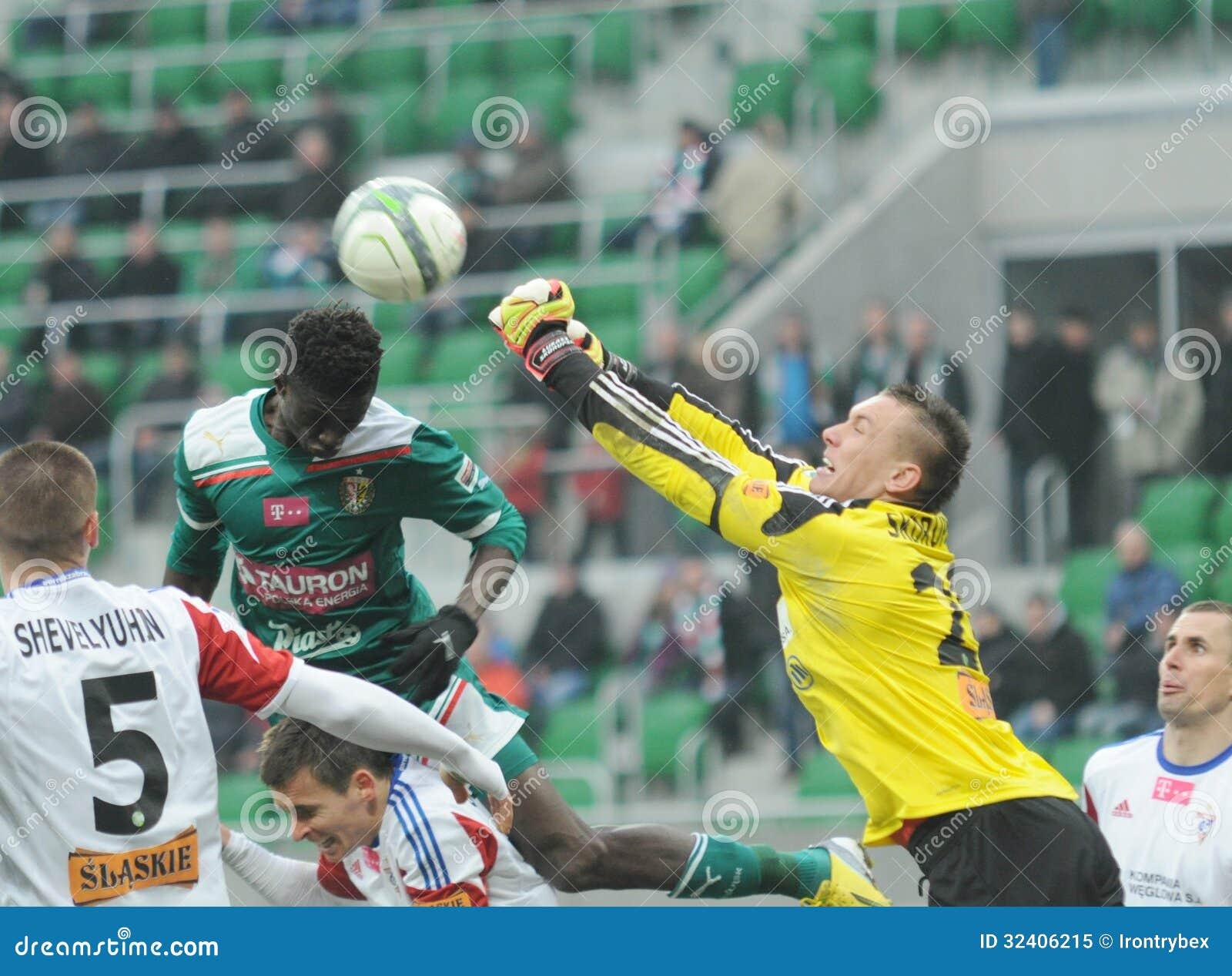 Gornik Zabrze: April 06: Skorupski Fists The Ball Away
