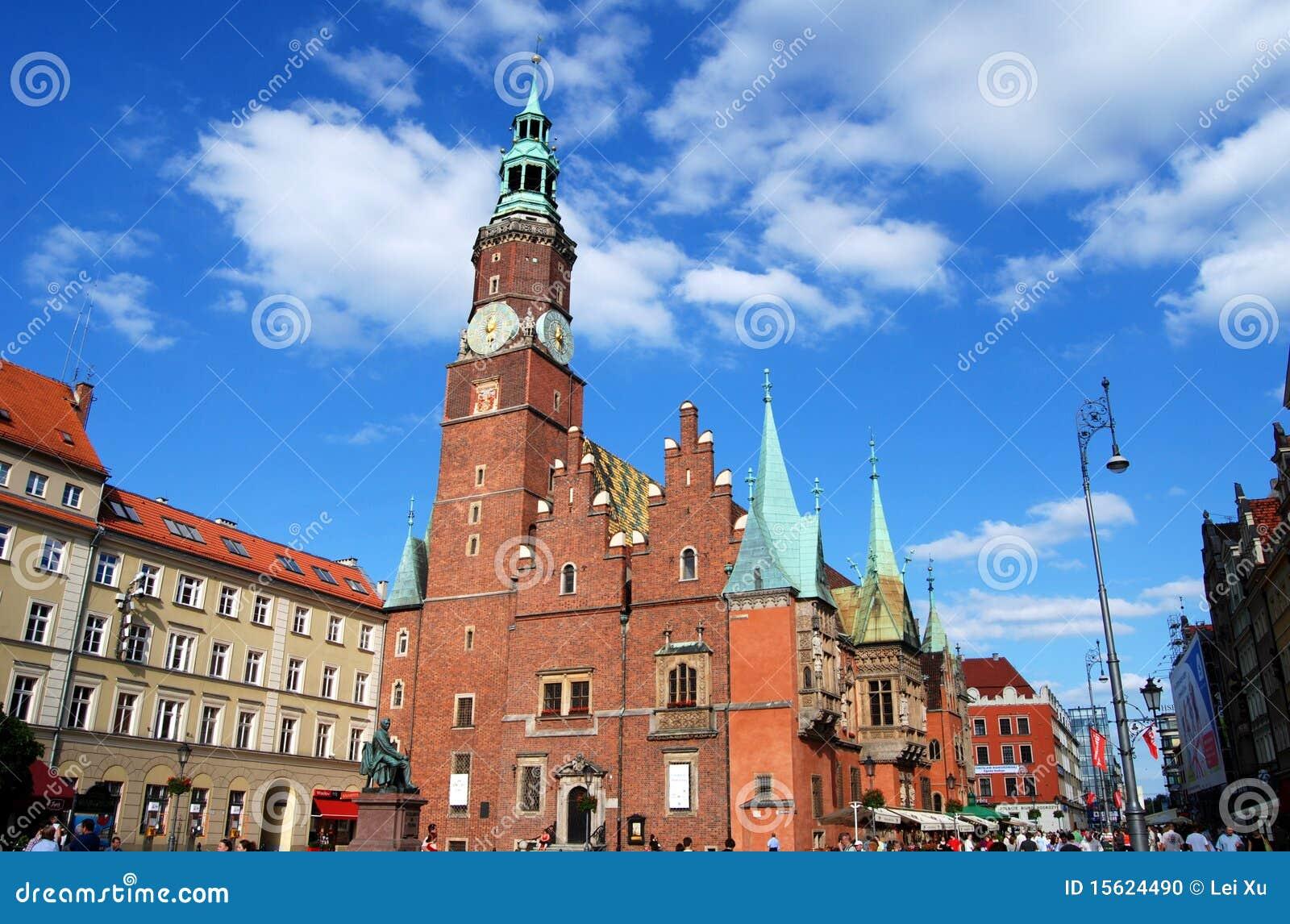 Wroclaw, Poland: Câmara municipal de Ratusz no quadrado de Rynek