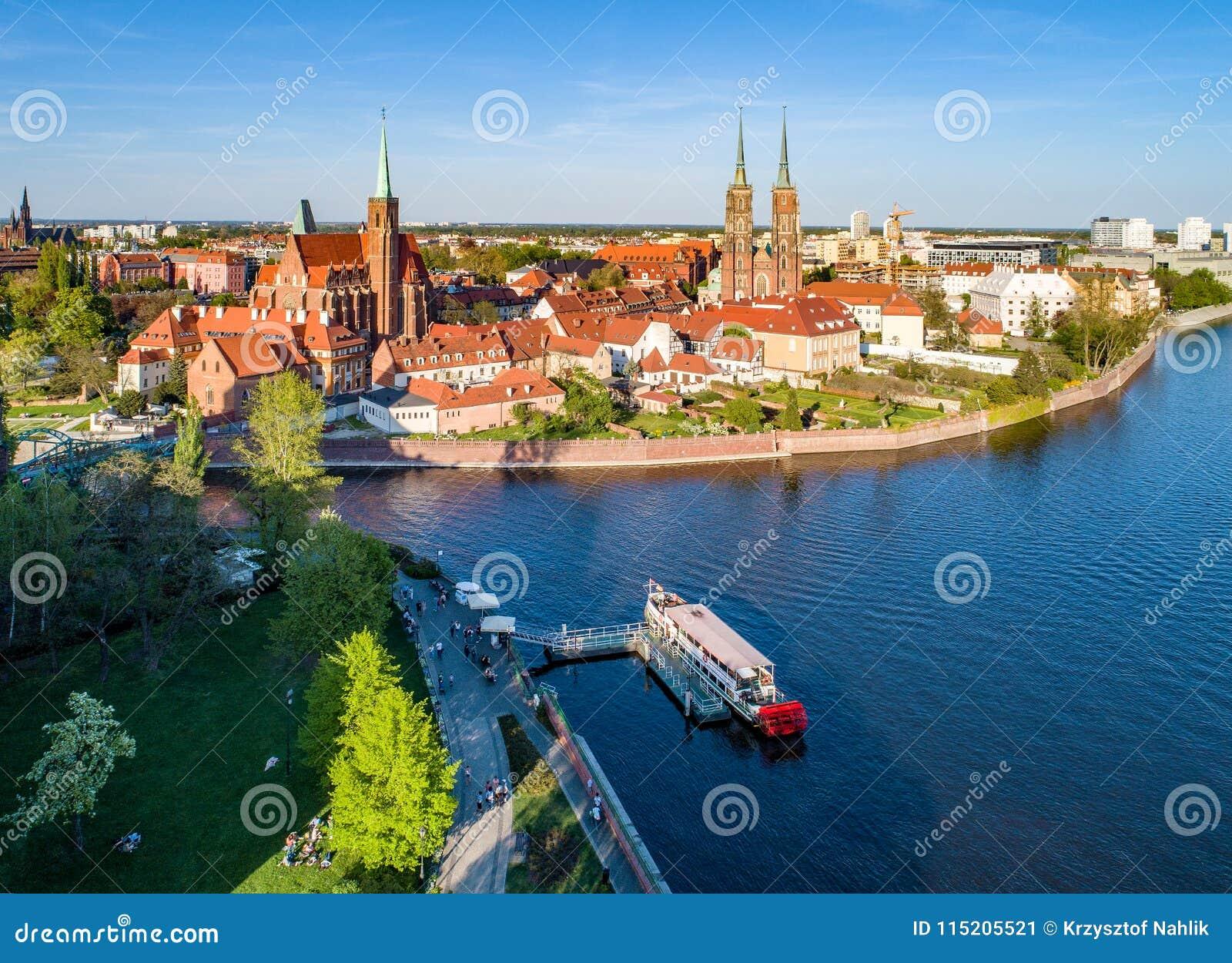 Wroclaw, Polen Ostrow Tumski met gotische kathedraal en kerk