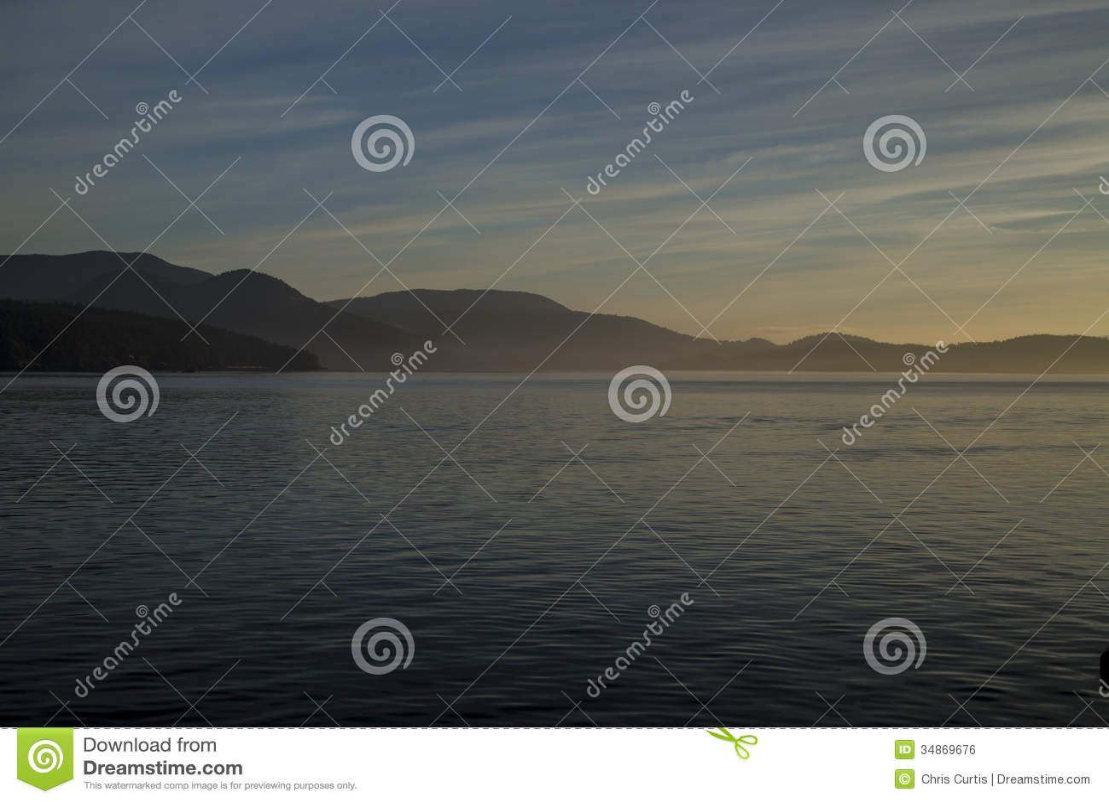 Wschód słońca na Salish morzu blisko San Juan wyspy