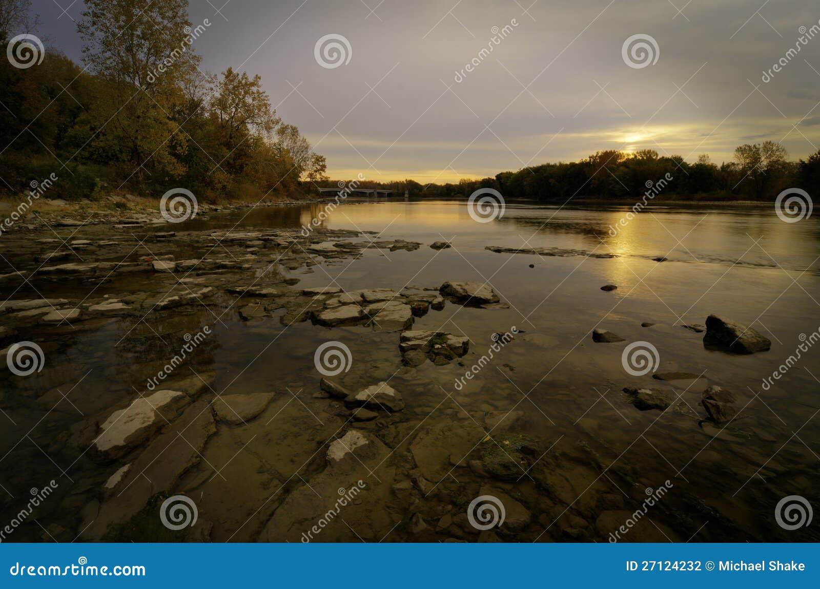 Wschód słońca nad Maumee Rzeką