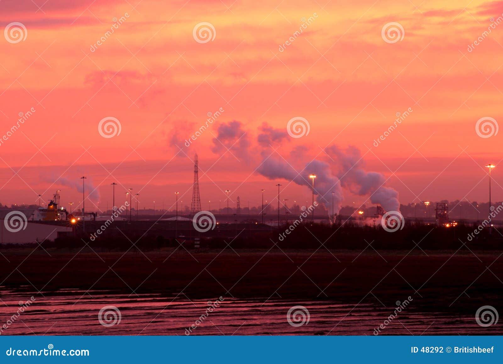 Wschód słońca przemysłowe
