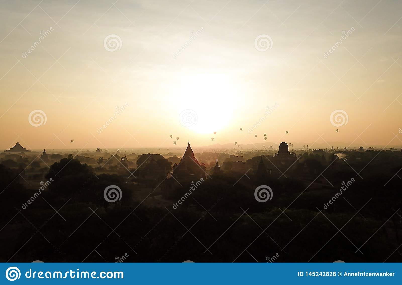 Wsch?d s?o?ca w Myanmar