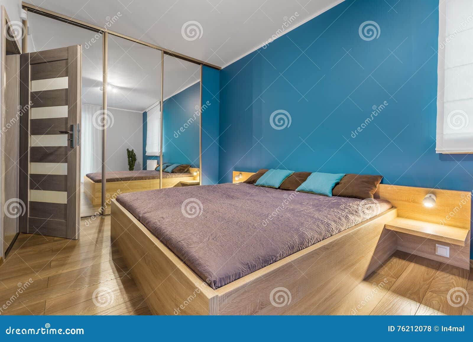 Współczesna Sypialnia Z Królewiątko Rozmiaru łóżka Pomysłem