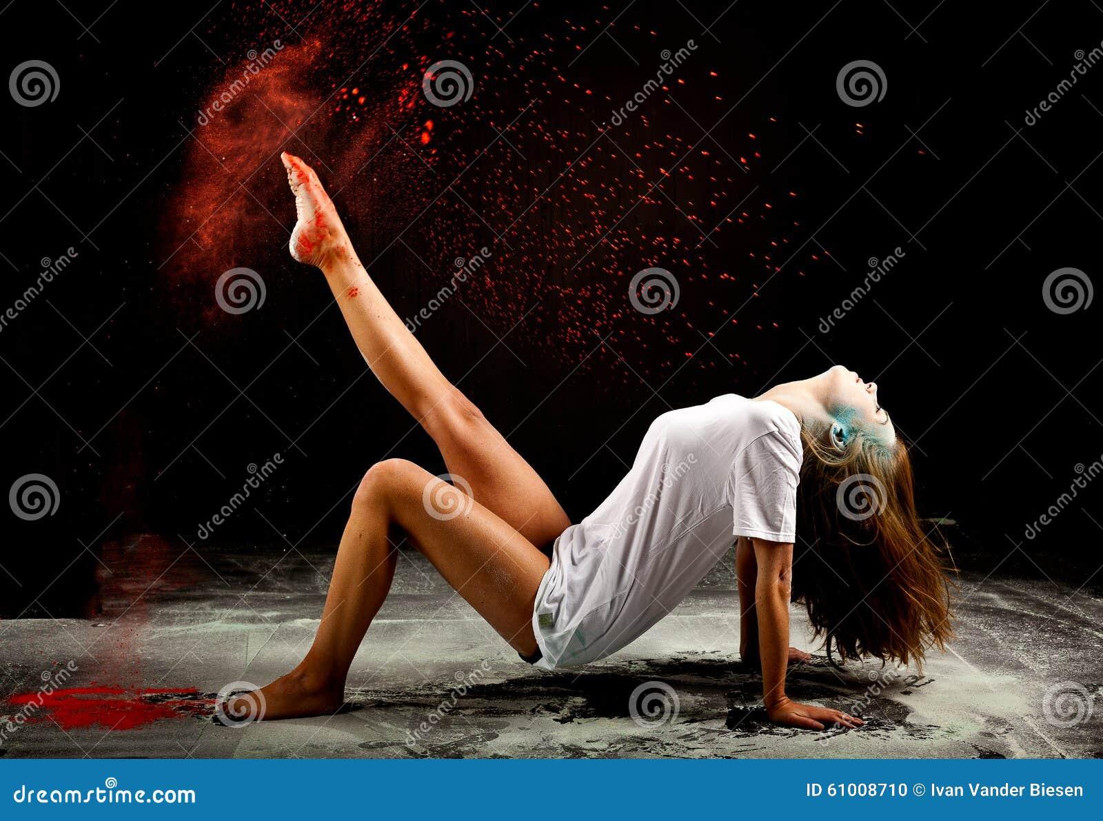 Współczesny baleta proszka wyrażenie