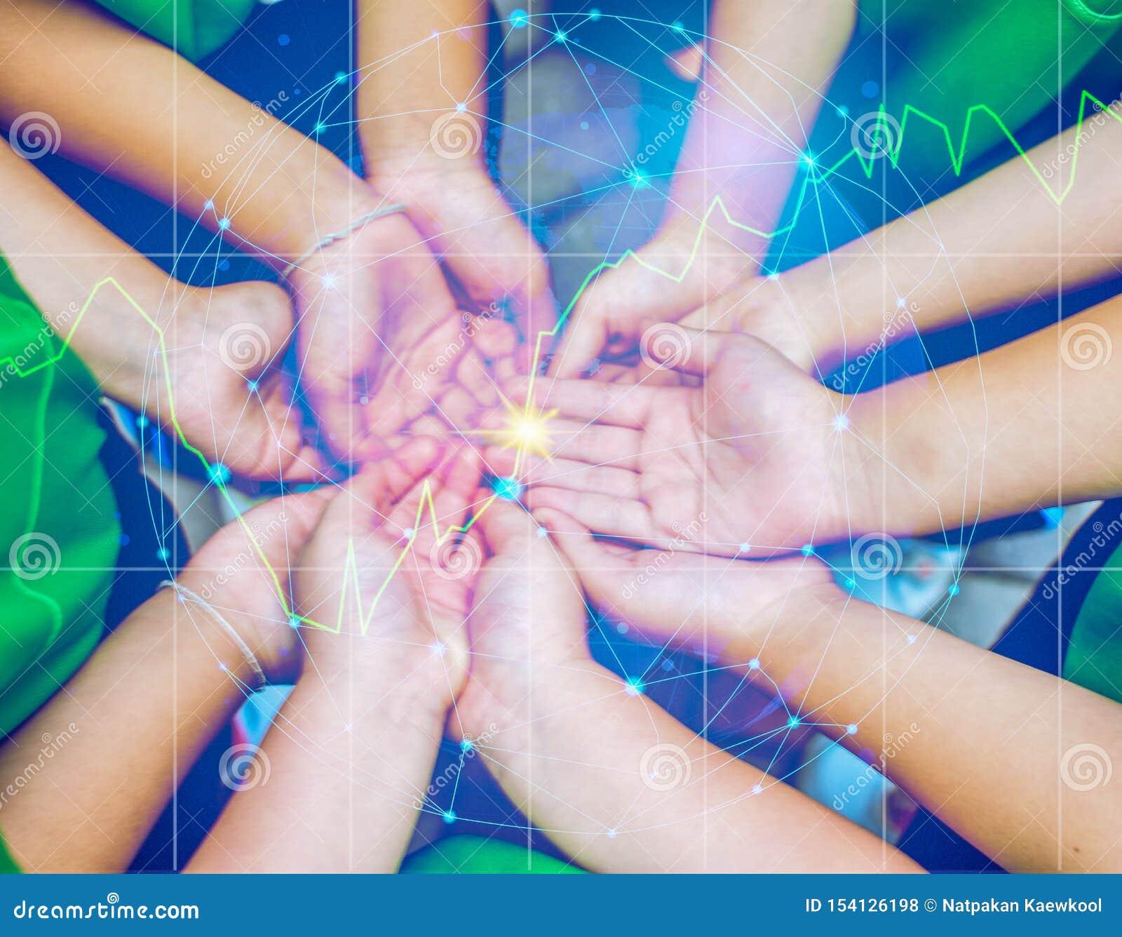 Współpraca ludzie pomaga światowi