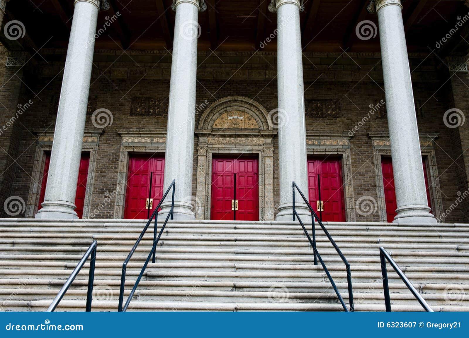 Wspaniała wejściowa dużych kościelna