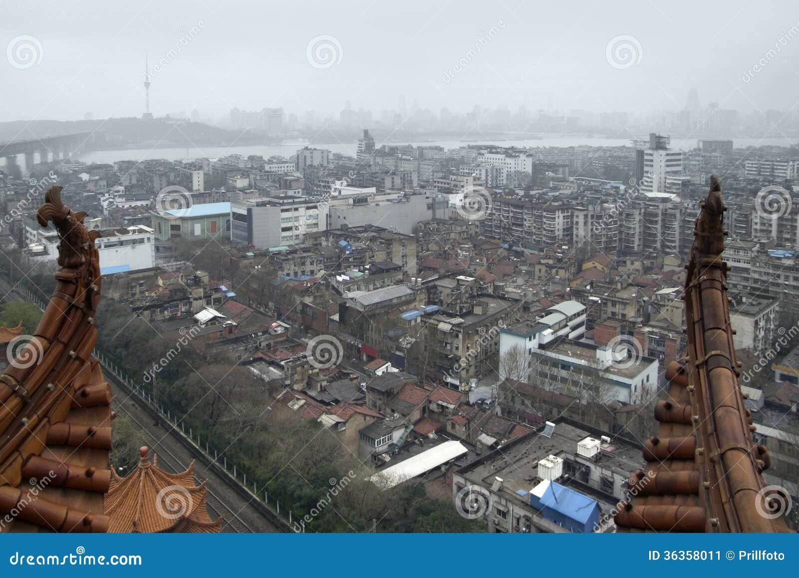 Wuhan visto de Crane Tower amarelo