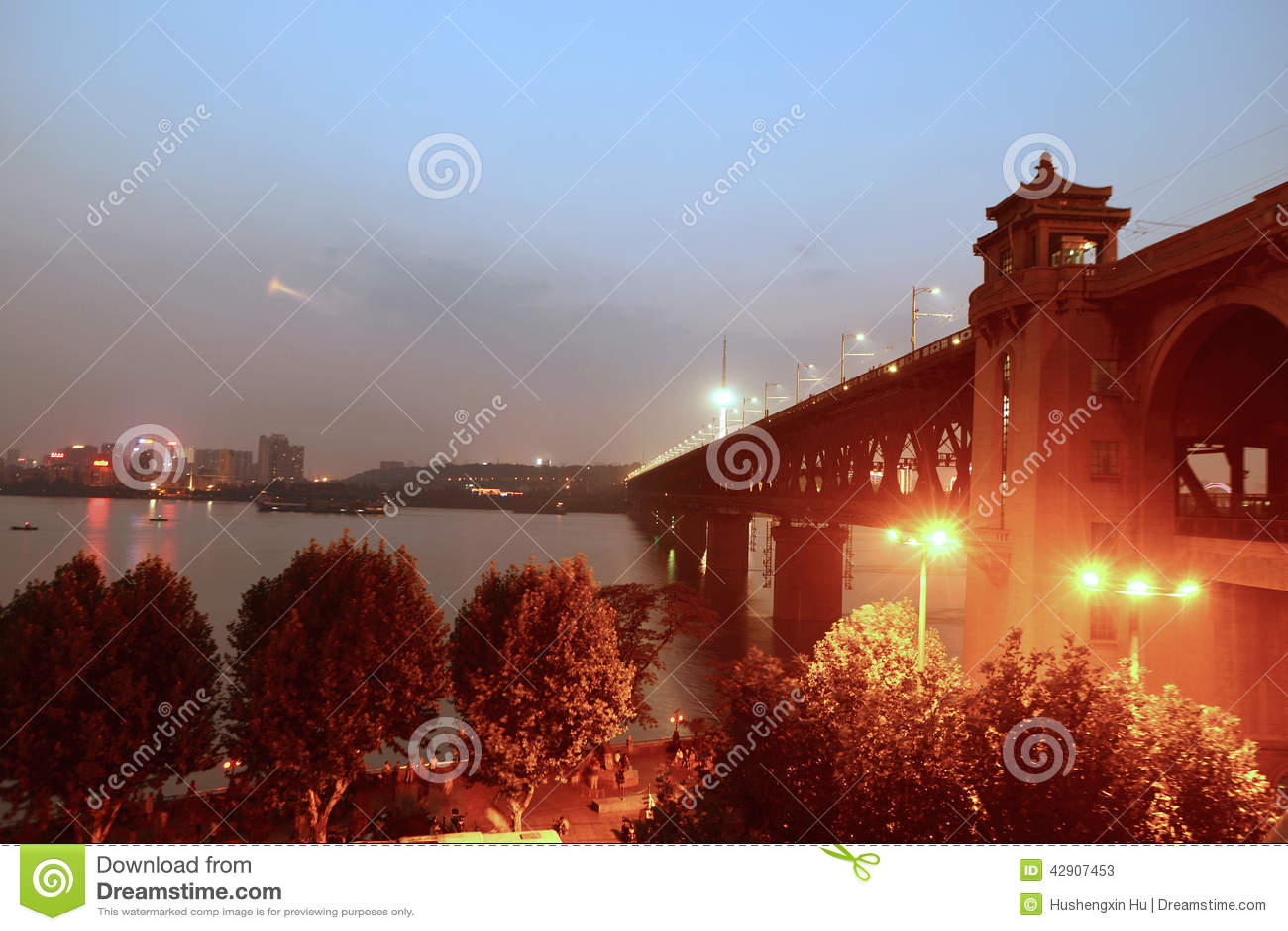 Wuhan Yangtze River bridge night
