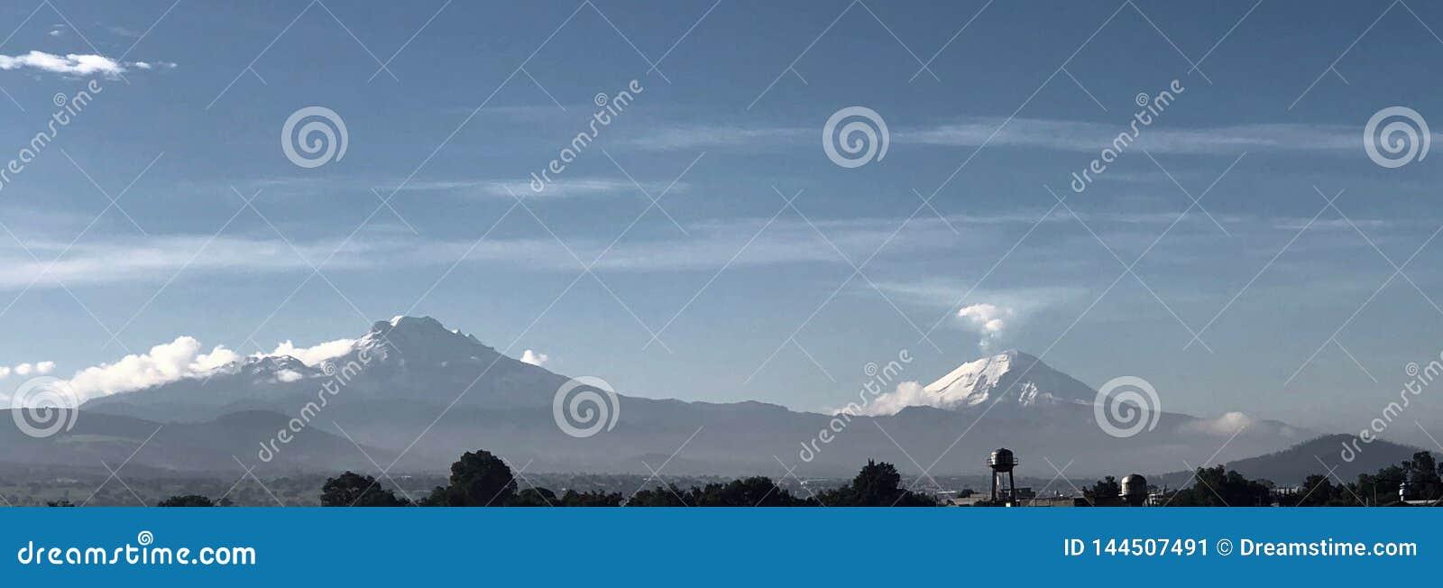 Wulkany przeglądają od Meksyk