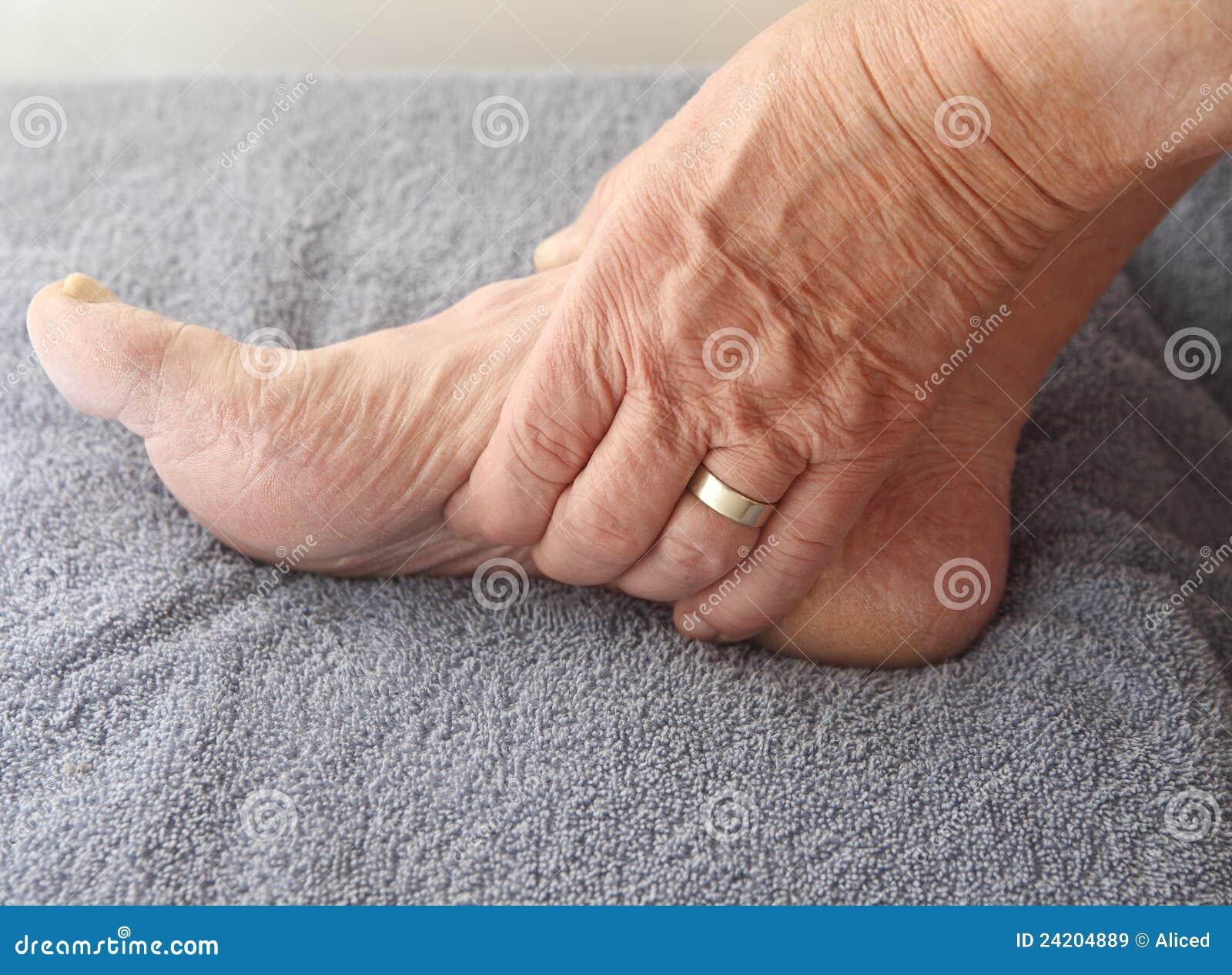Вены на ногах целлюлитный массаж делают