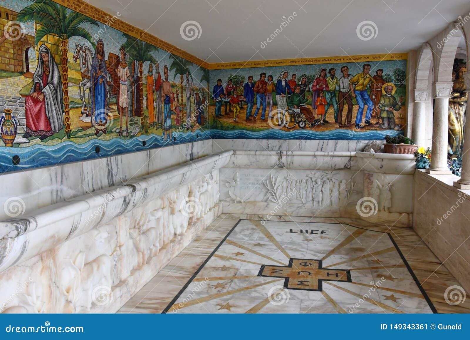 Wunderbares Wasser am Schongebiet Madonna der Pracht