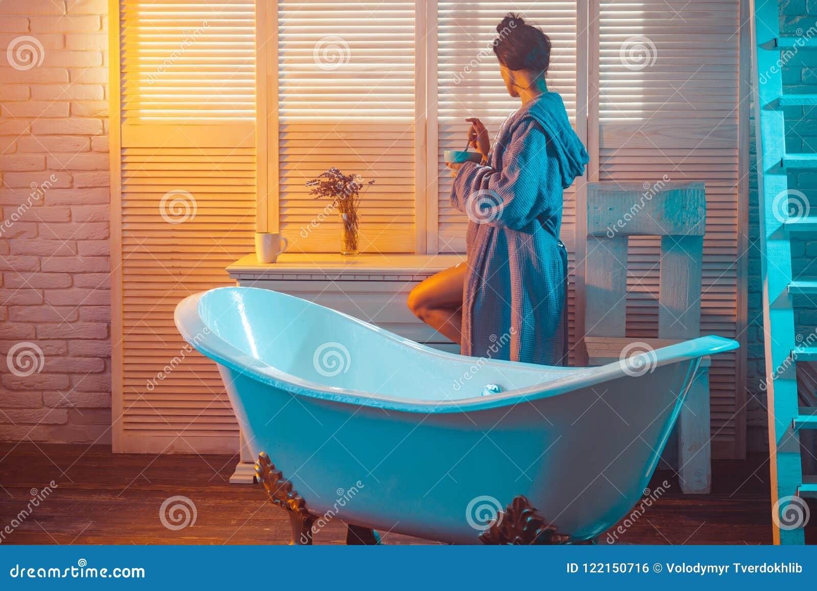 nackt asiatische dusche mädchen
