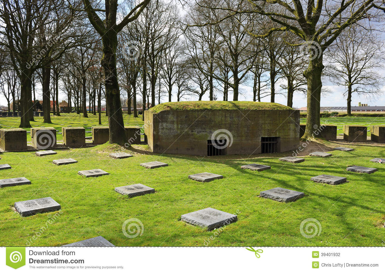 Ww1 War Cemetery In Flanders Stock Photo Image 39401932
