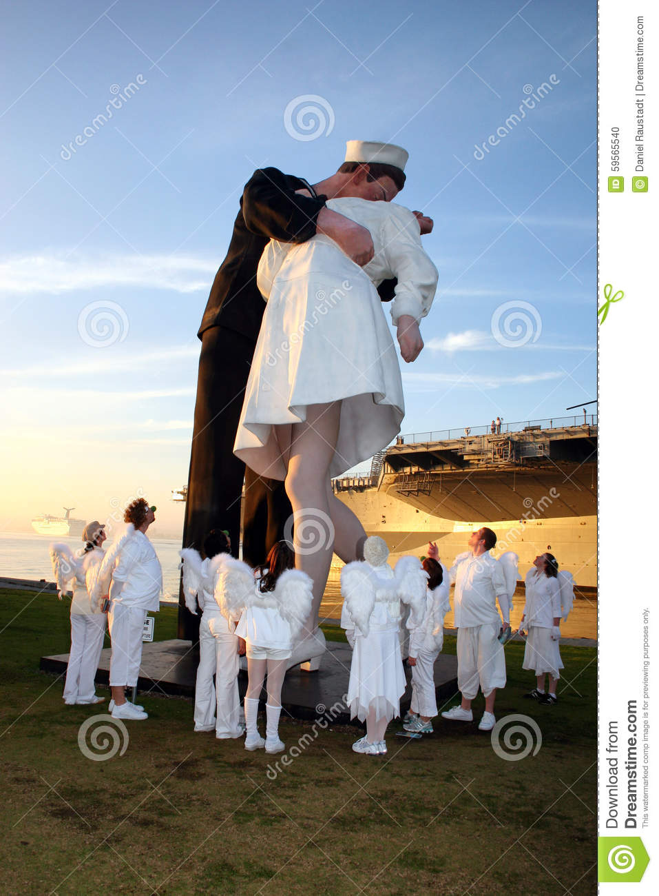 Wwii unconditional surrender statue san diego editorial image wwii unconditional surrender statue san diego m4hsunfo