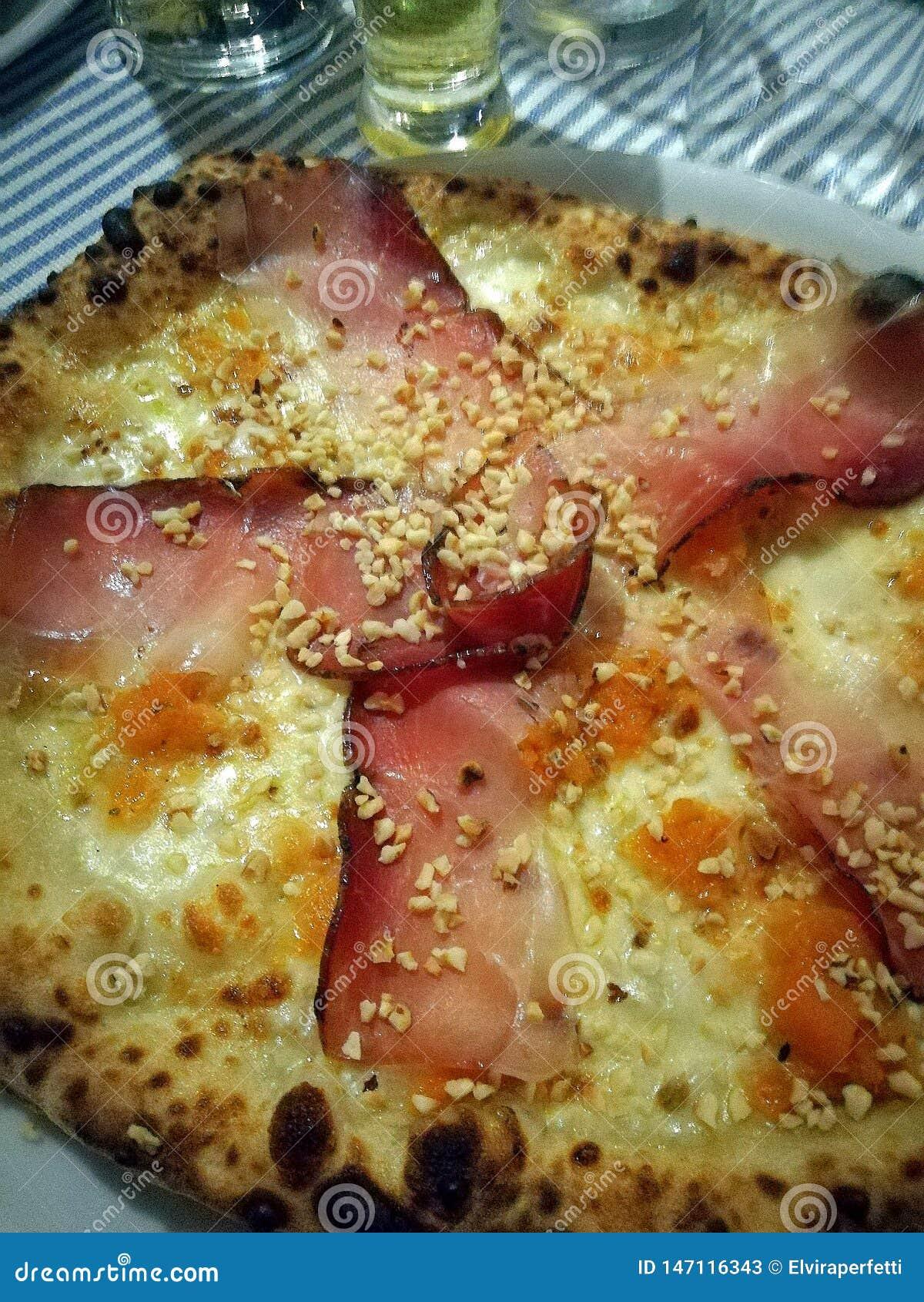 Wyśmienita pizza