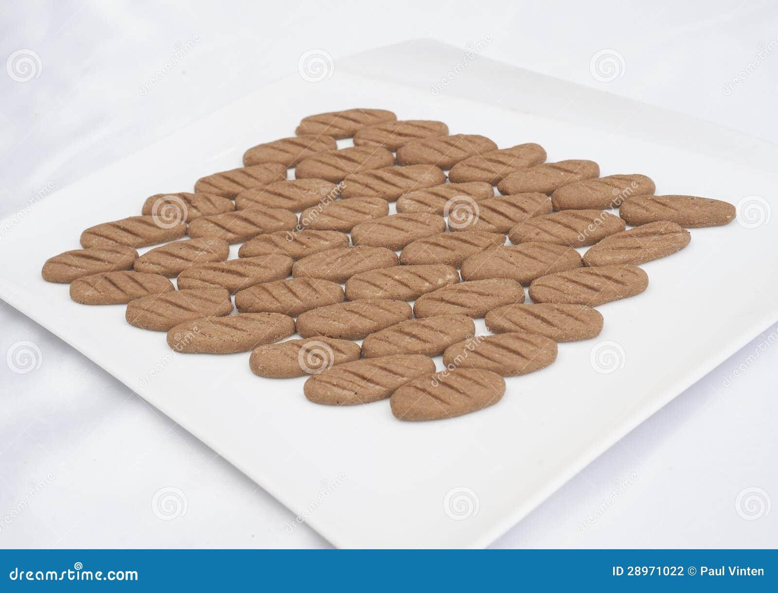 Wybór ciastka na talerzu
