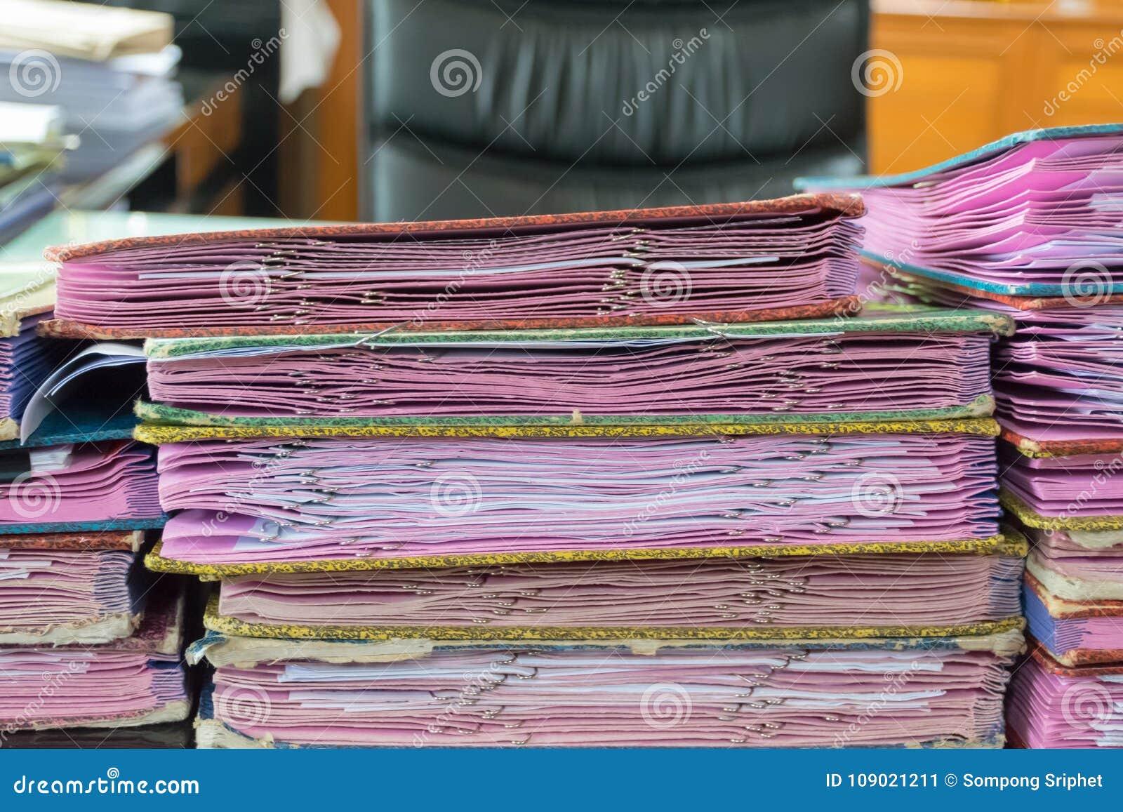 Wykonawczego stołu udział praca dokumentu papier