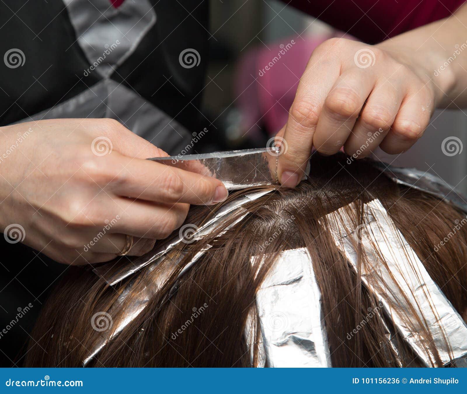 Wyplata włosy w salonie